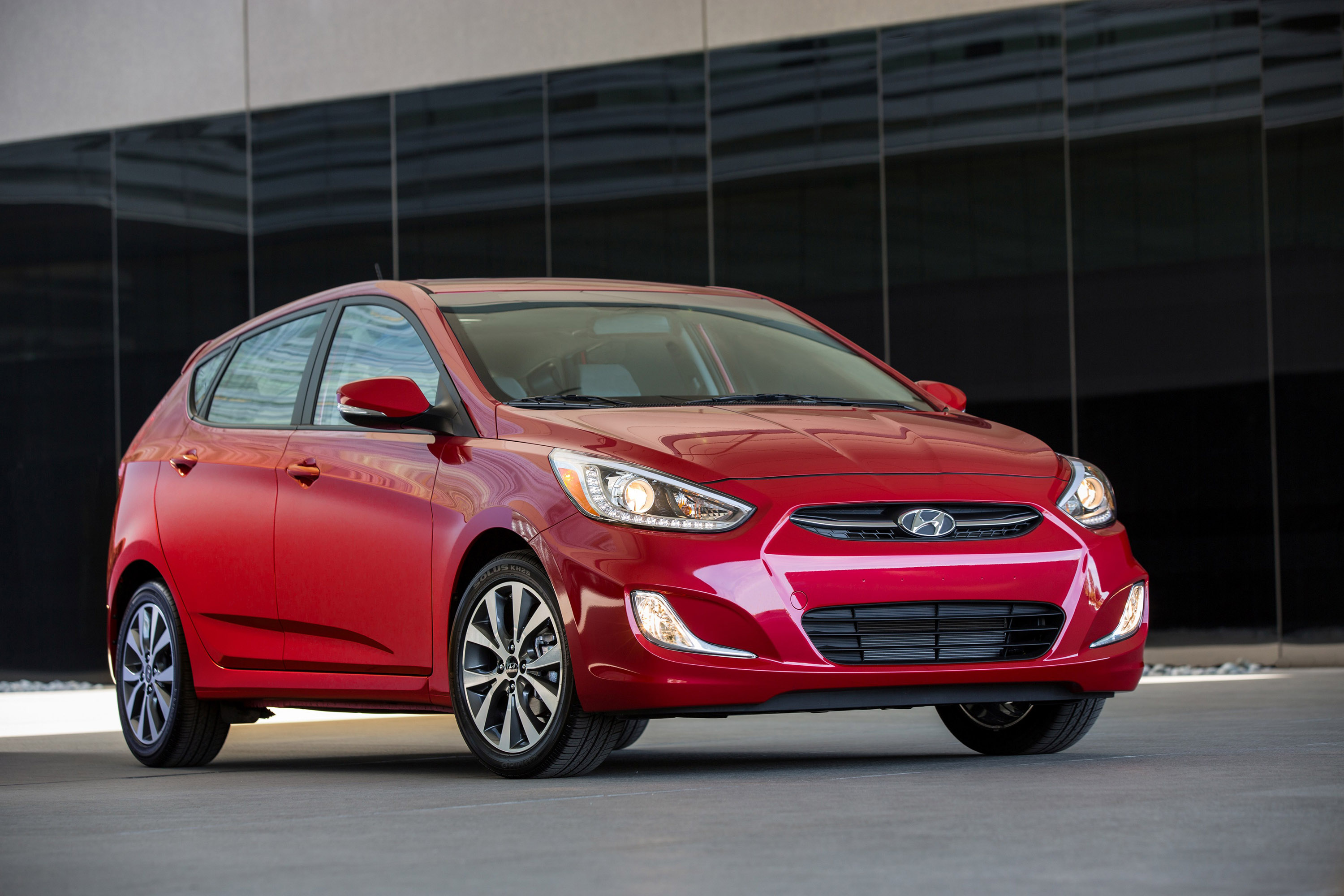 2016 Hyundai Accent comes with additional features and tons of gadgets