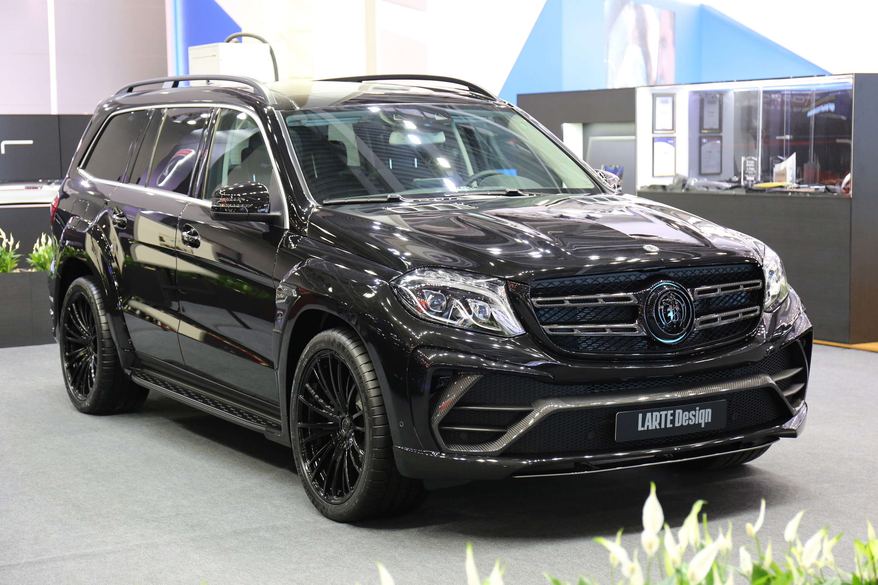 2016-larte-design-mercedes-benz-gls-black-crystal-02.jpg