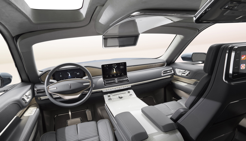 https://www.automobilesreview.com/gallery/2016-lincoln-navigator-concept/2016-lincoln-navigator-concept-06.jpg