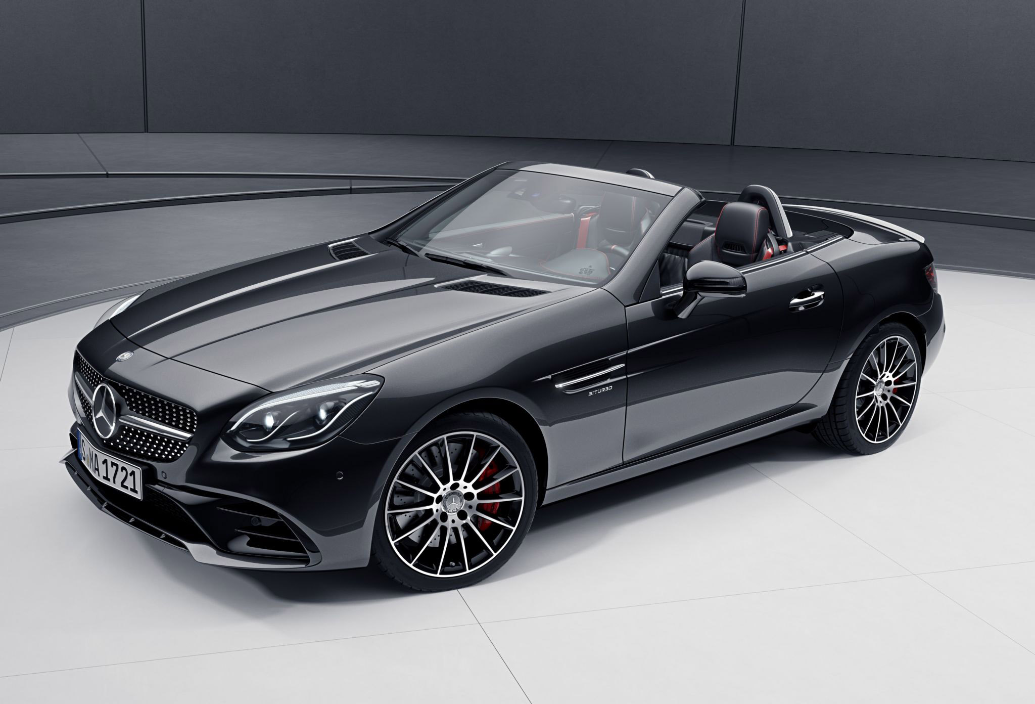 Mercedes benz slc gets new night package for Slc mercedes benz