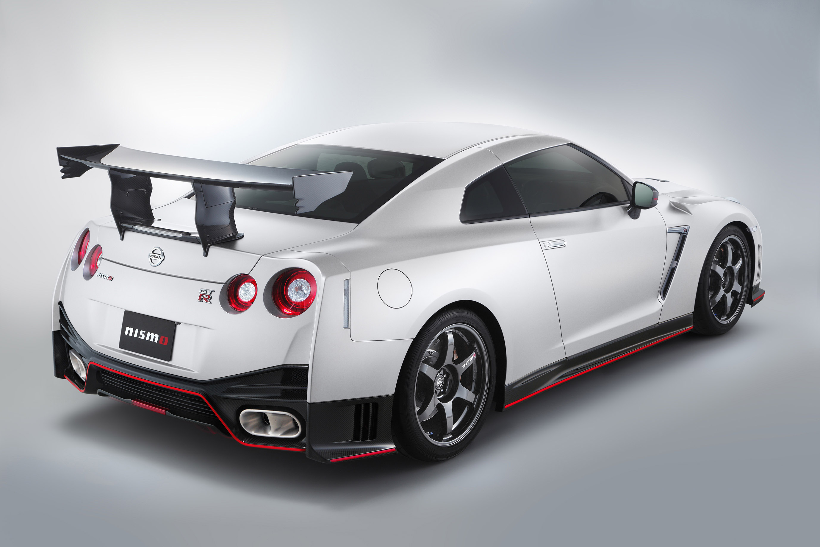 Exclusive Auto Sales >> Nissan GT-R NISMO N-Attack Package Debuts at SEMA Show