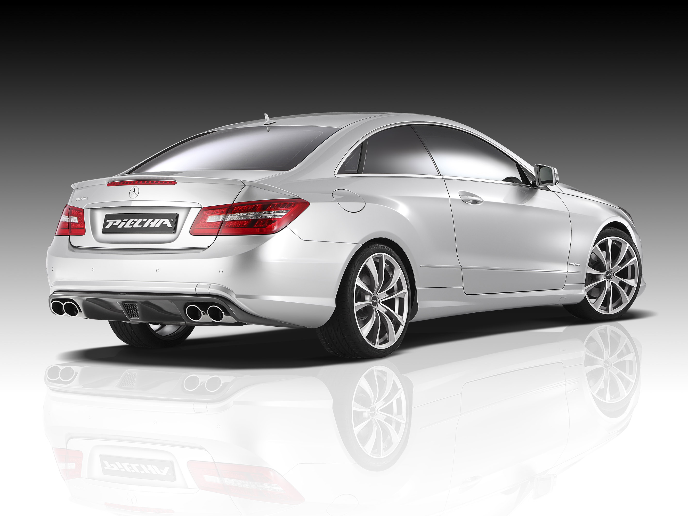 Piecha design releases tuning kit for mercedes benz e for Mercedes benz design your own