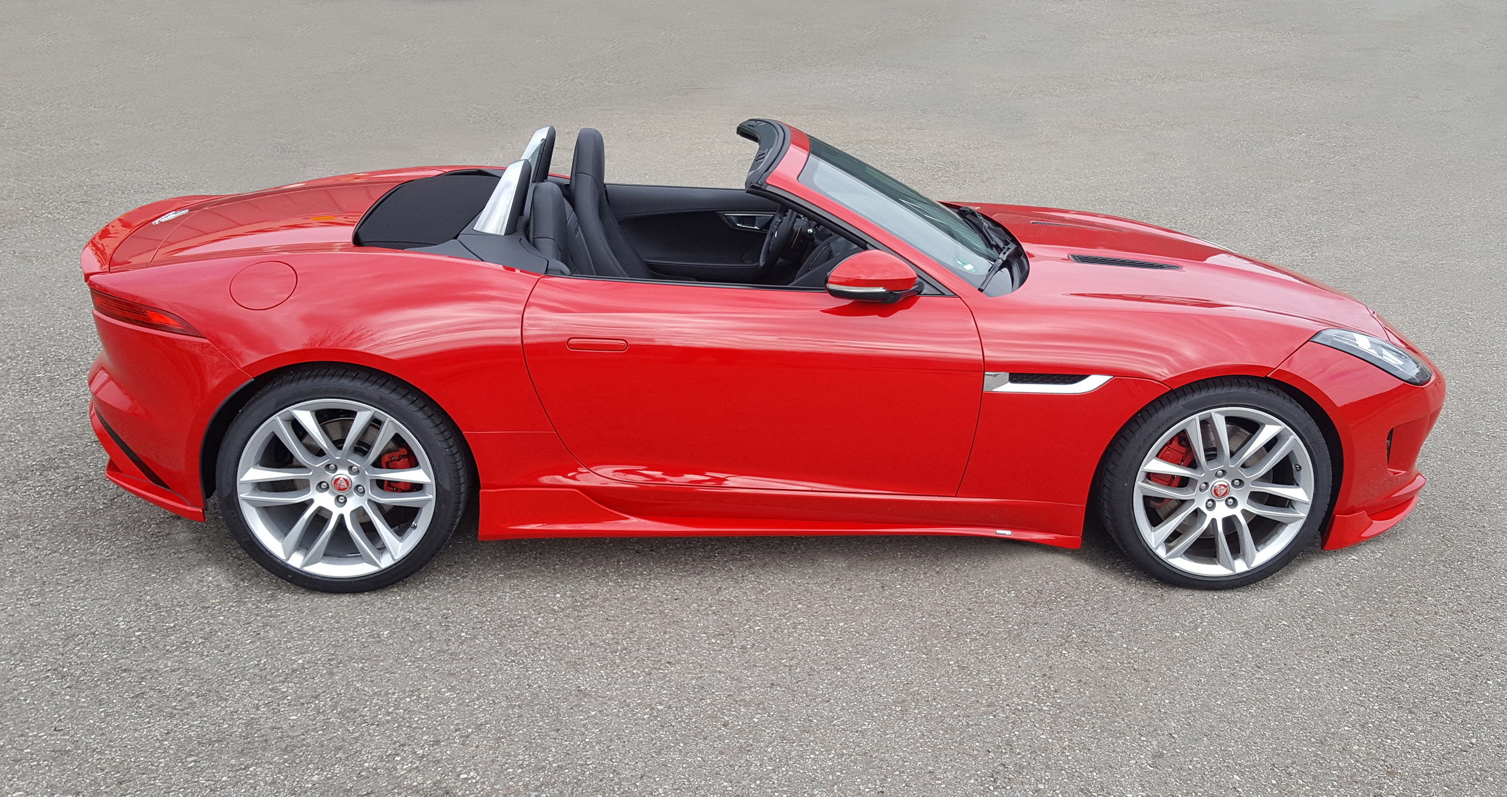 piecha introduces revisions for jaguar f type cabrio