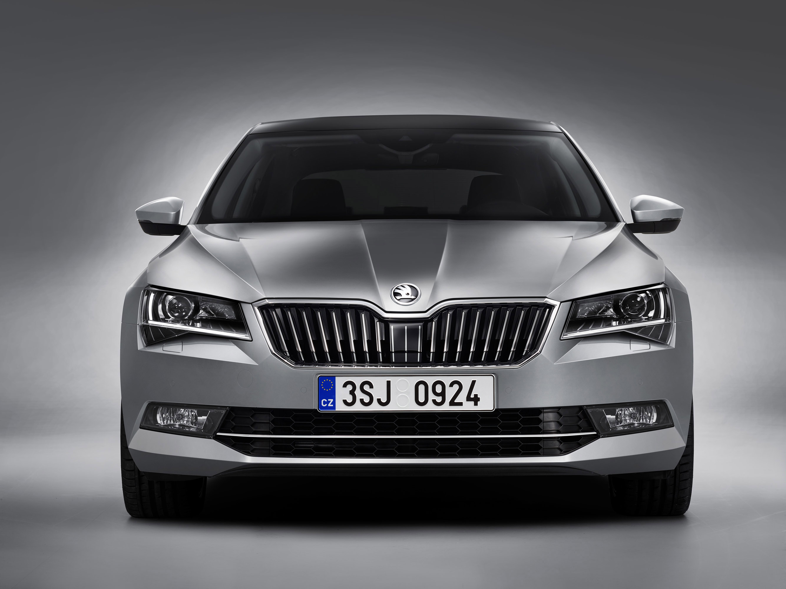 2016 skoda superb is fully revealed. Black Bedroom Furniture Sets. Home Design Ideas