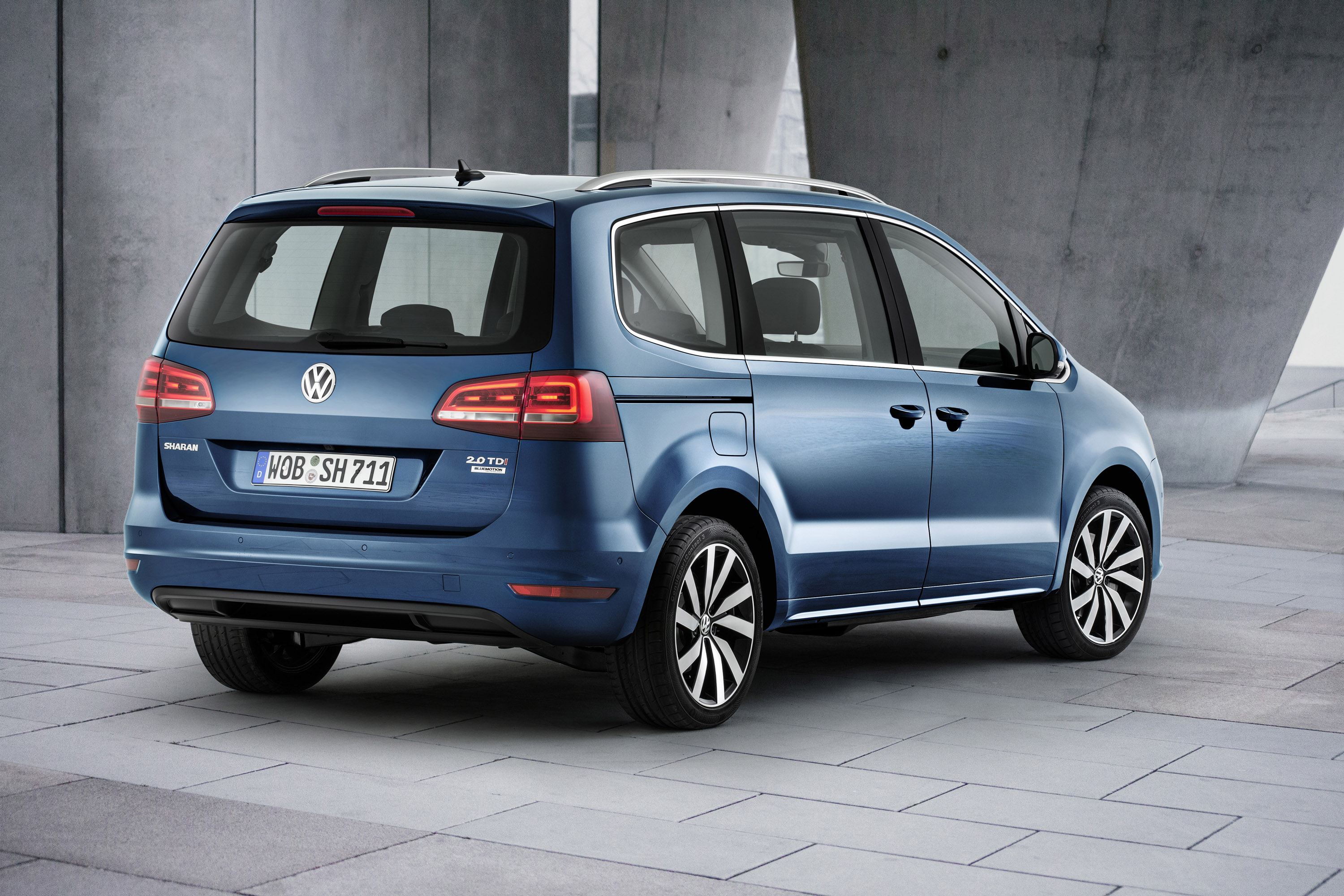 volkswagen is debuting technically updated sharan in geneva. Black Bedroom Furniture Sets. Home Design Ideas