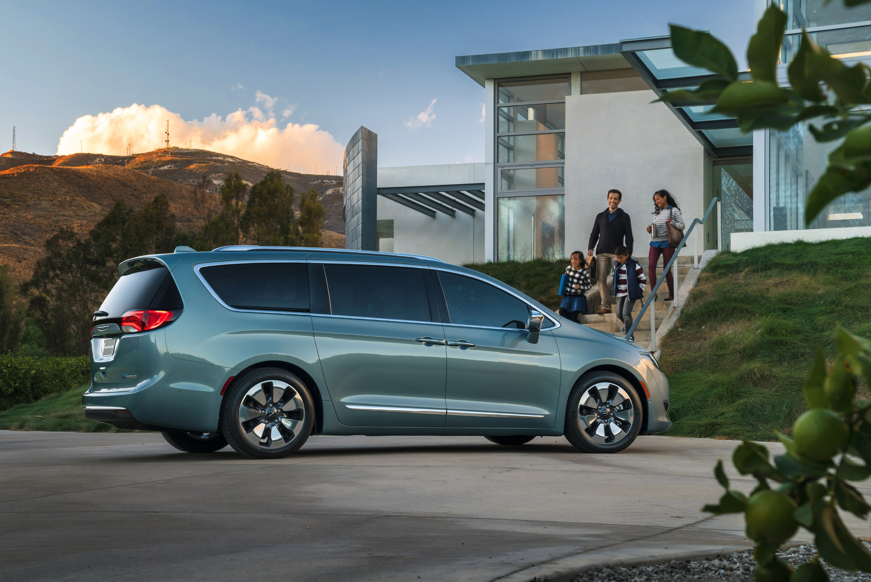 2017 chrysler pacifica pricing announced. Black Bedroom Furniture Sets. Home Design Ideas