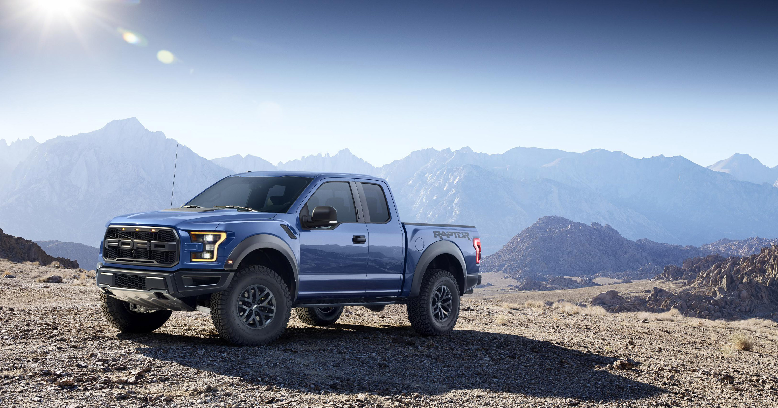 is 2017 ford f 150 raptor the ultimate performance truck video. Black Bedroom Furniture Sets. Home Design Ideas