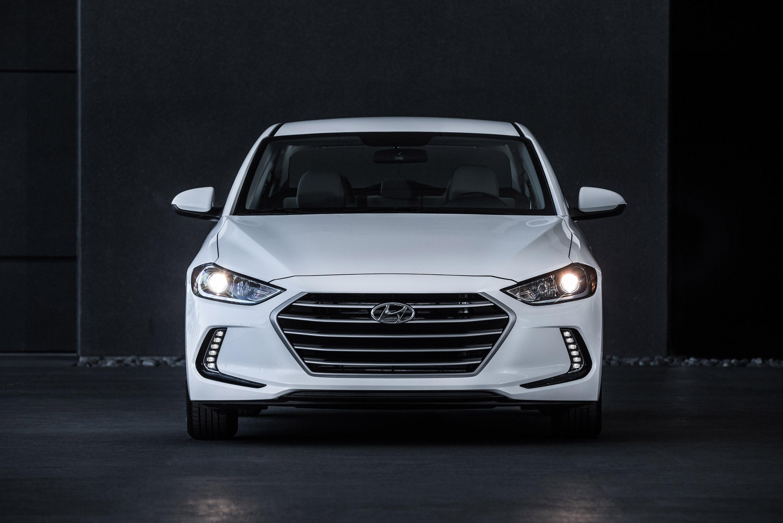 2016 Hyundai Elantra Limited >> Hyundai reveals 2017 Elantra Eco