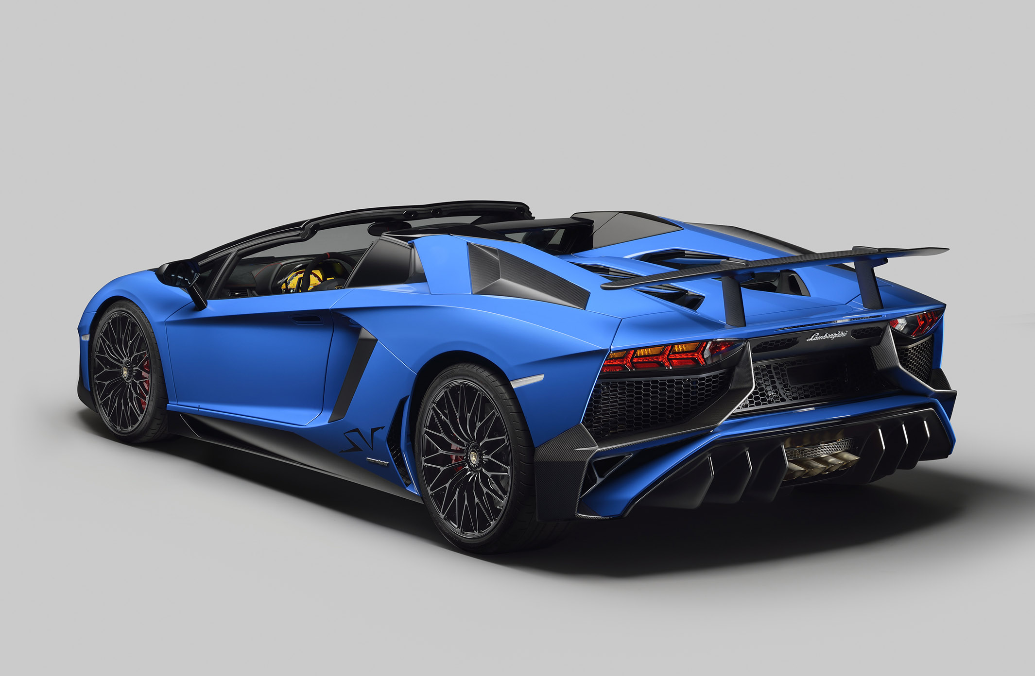 Lamborghini Debuts Aventador SuperVeloce Roadster and Announces Pricing