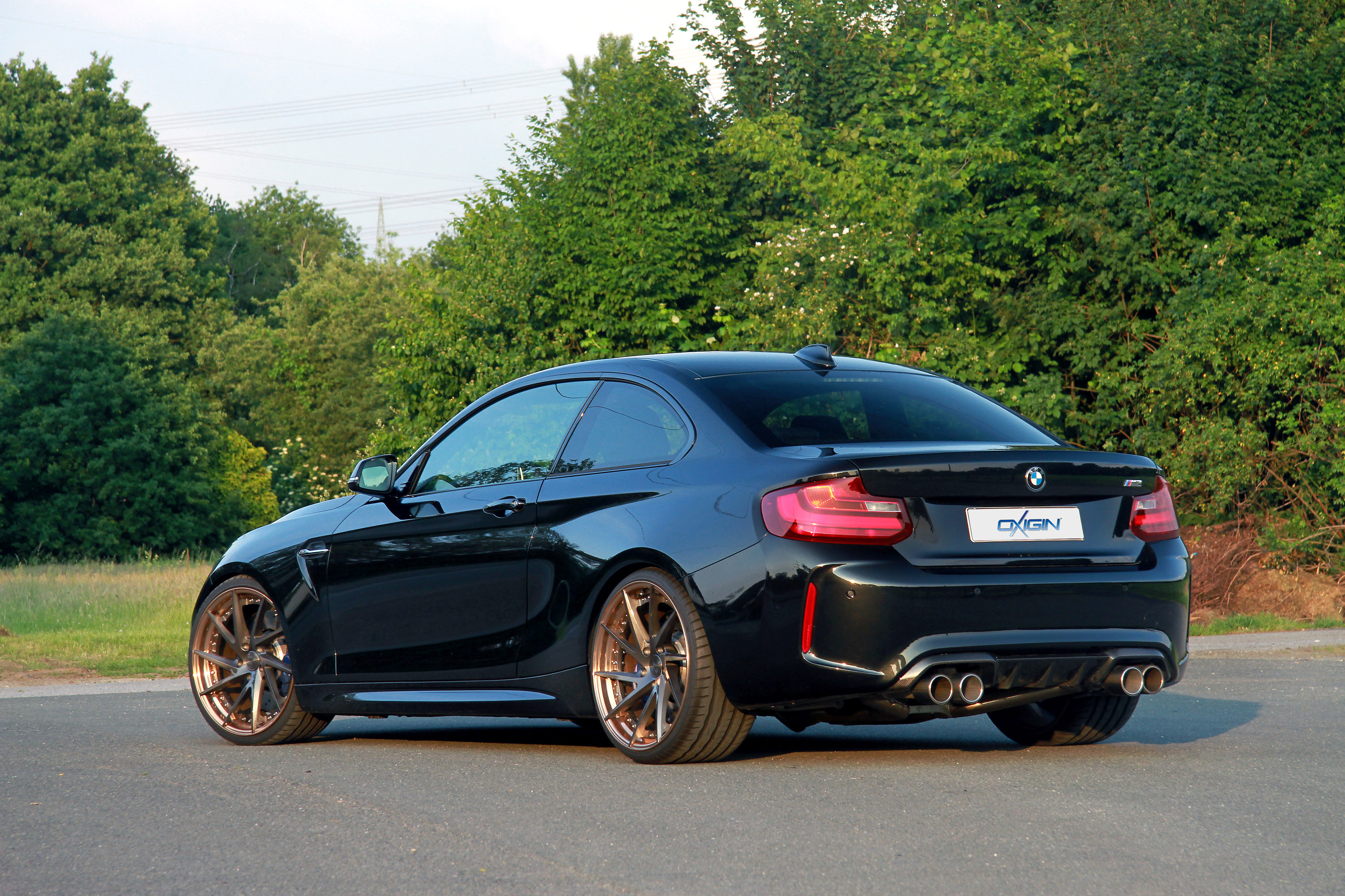 Oxigin Team Upgrades A Bmw M2 Vehicle