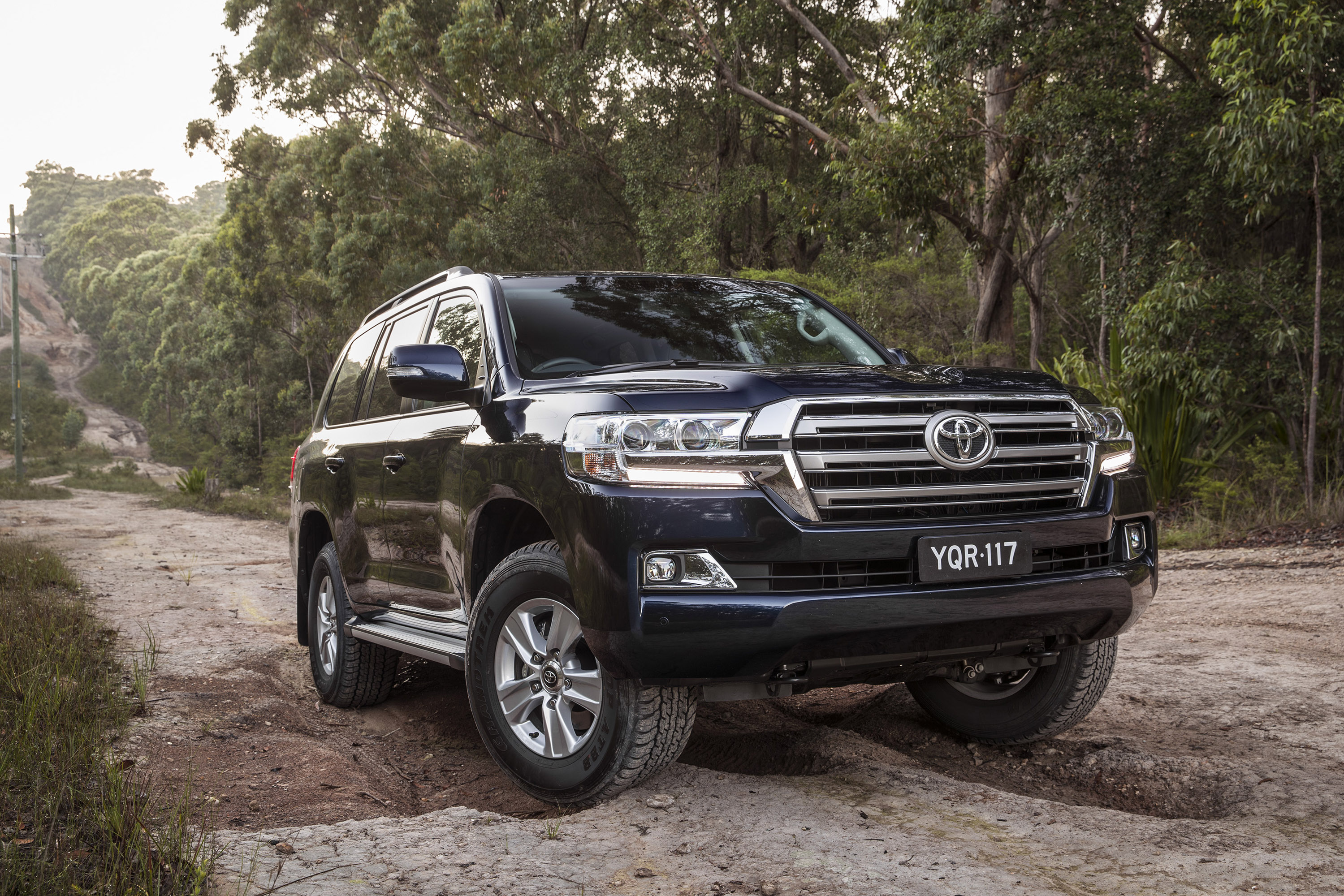 Land Cruiser 70 Series Off Road >> Toyota reveals limited run of Land Cruiser Altitude model