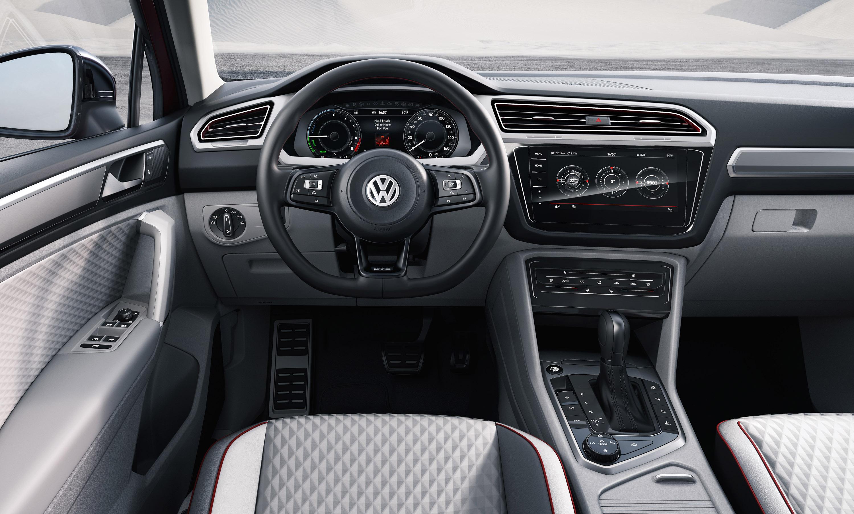 2017 Volkswagen Tiguan Black 200 Interior And Exterior Images
