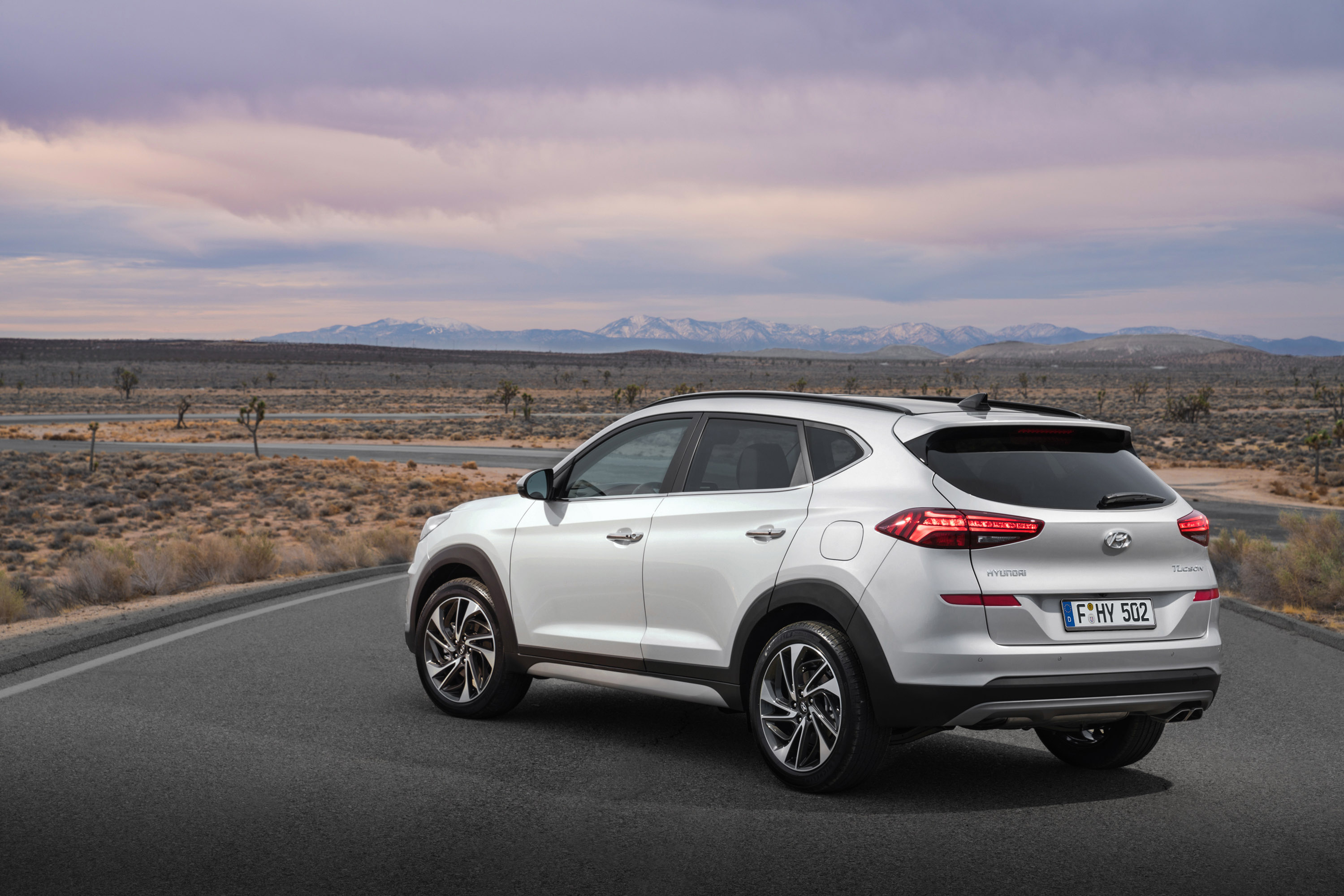 hyundai unveils 2018 tucson. Black Bedroom Furniture Sets. Home Design Ideas