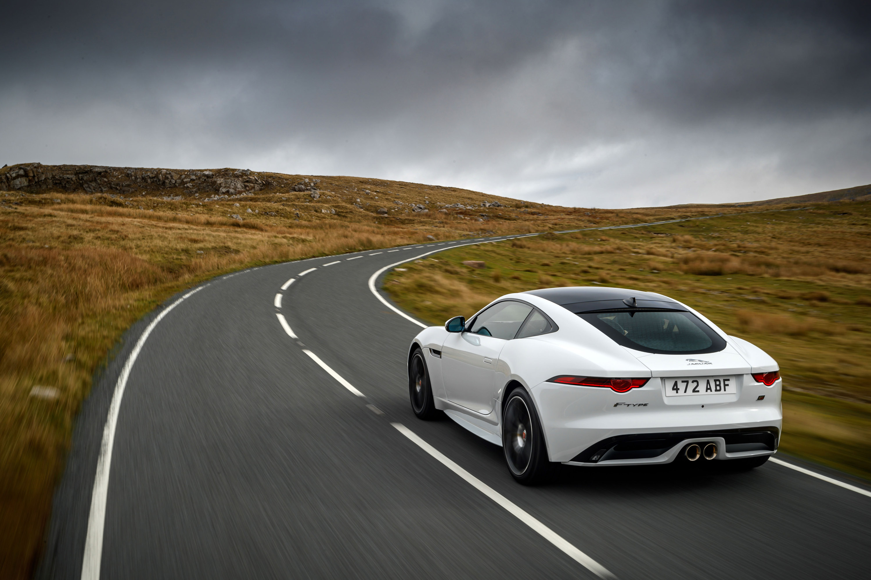 Jaguar Reveals F-TYPE Chequered Edition Vehicle