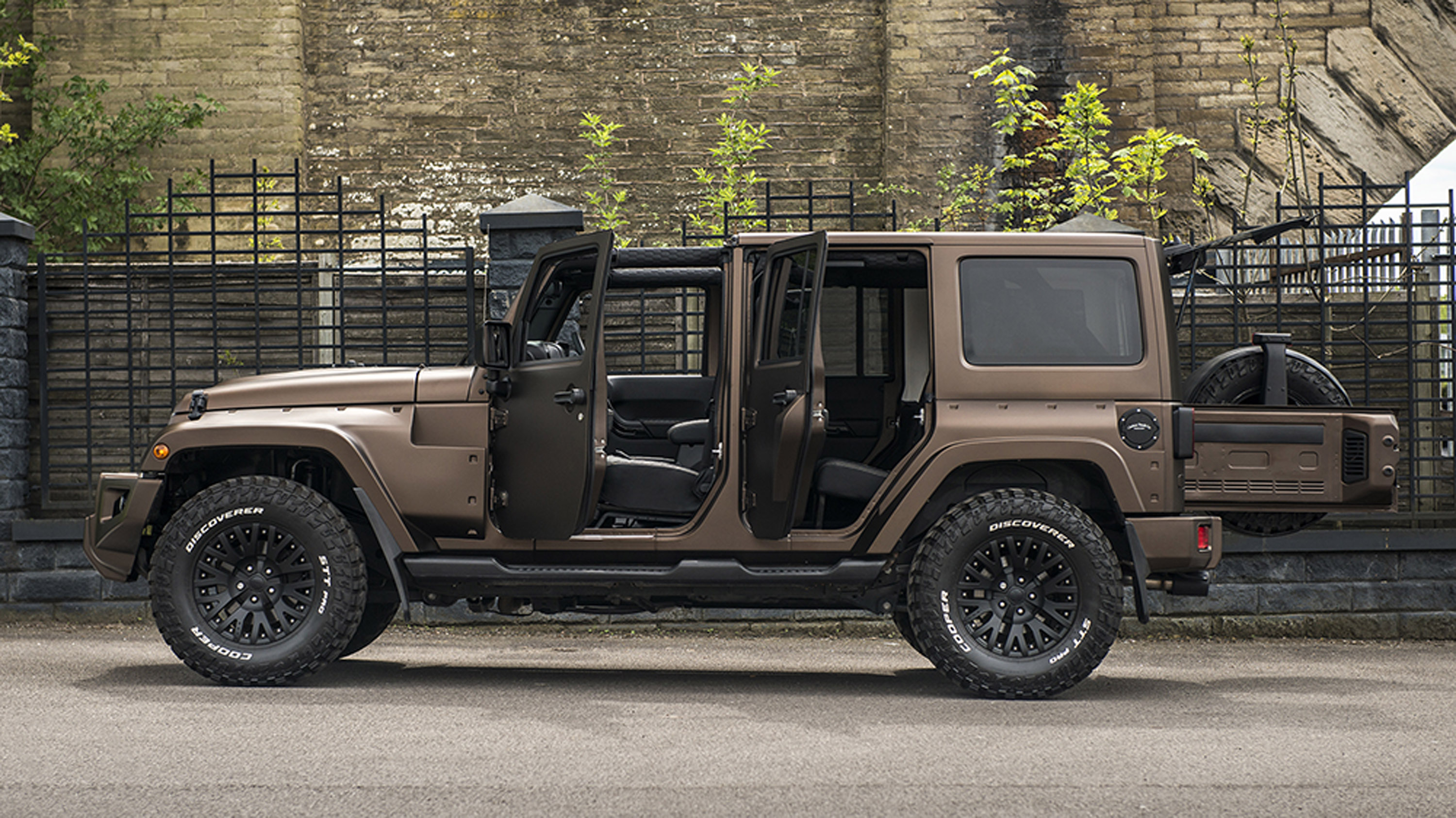 Kahn Design Upgrades A Jeep Wrangler Night Eagle Edition