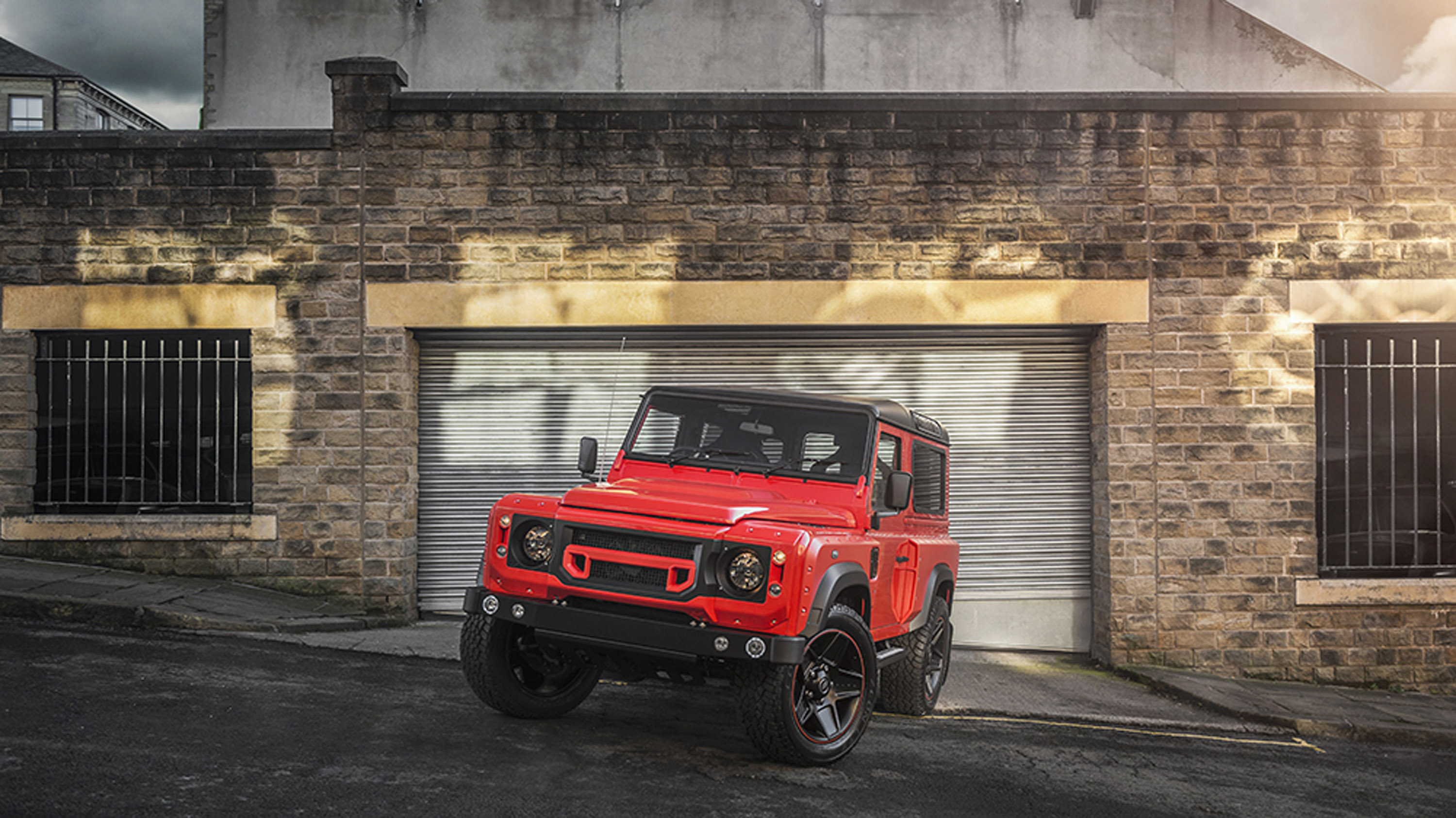 Kahn Design showcases Defender Final Edition: it is as ...