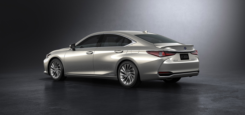 Lexus Showcases The New Es Model