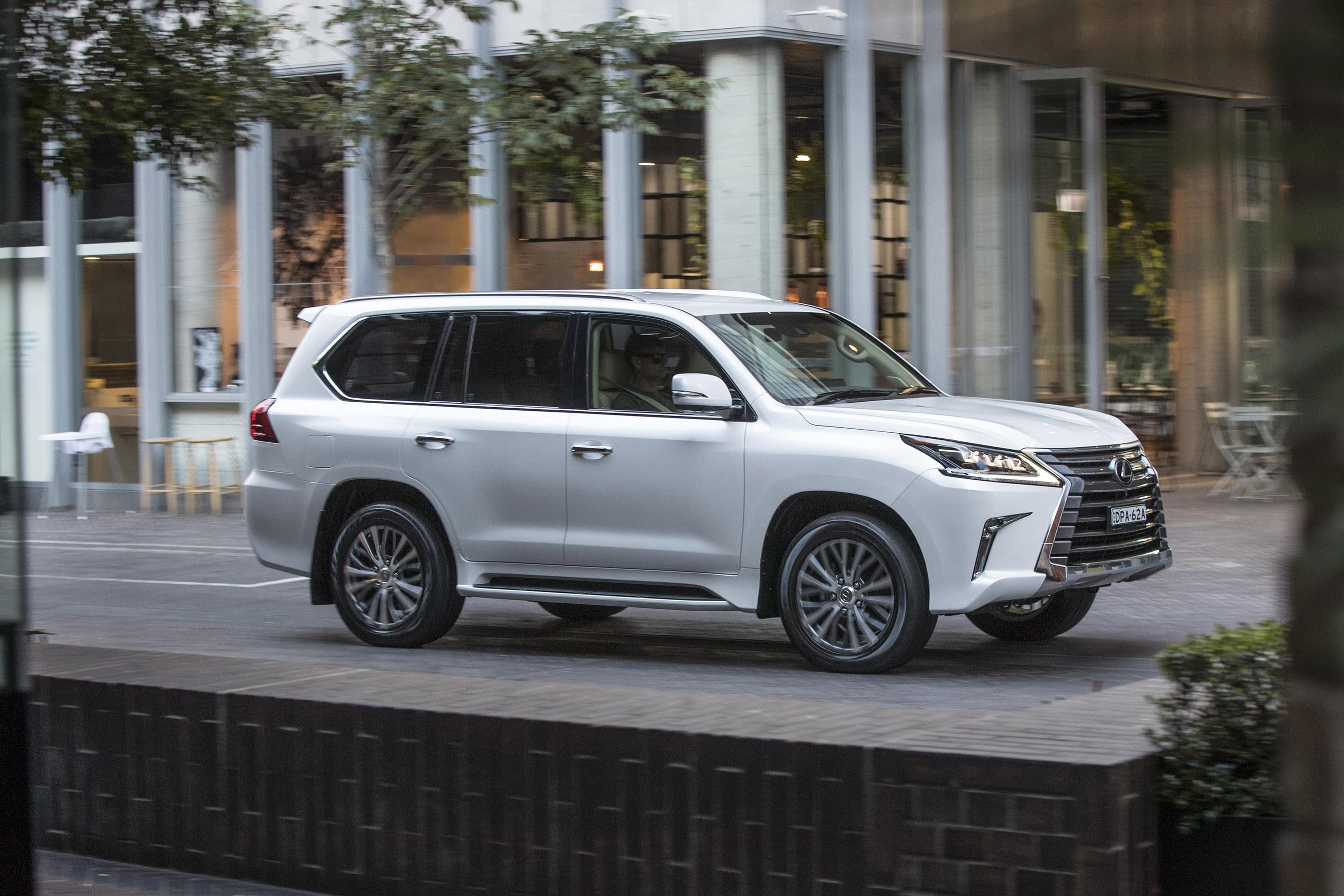 Lexus Hybrid Suv >> Lexus presents revised version of the LX 400d