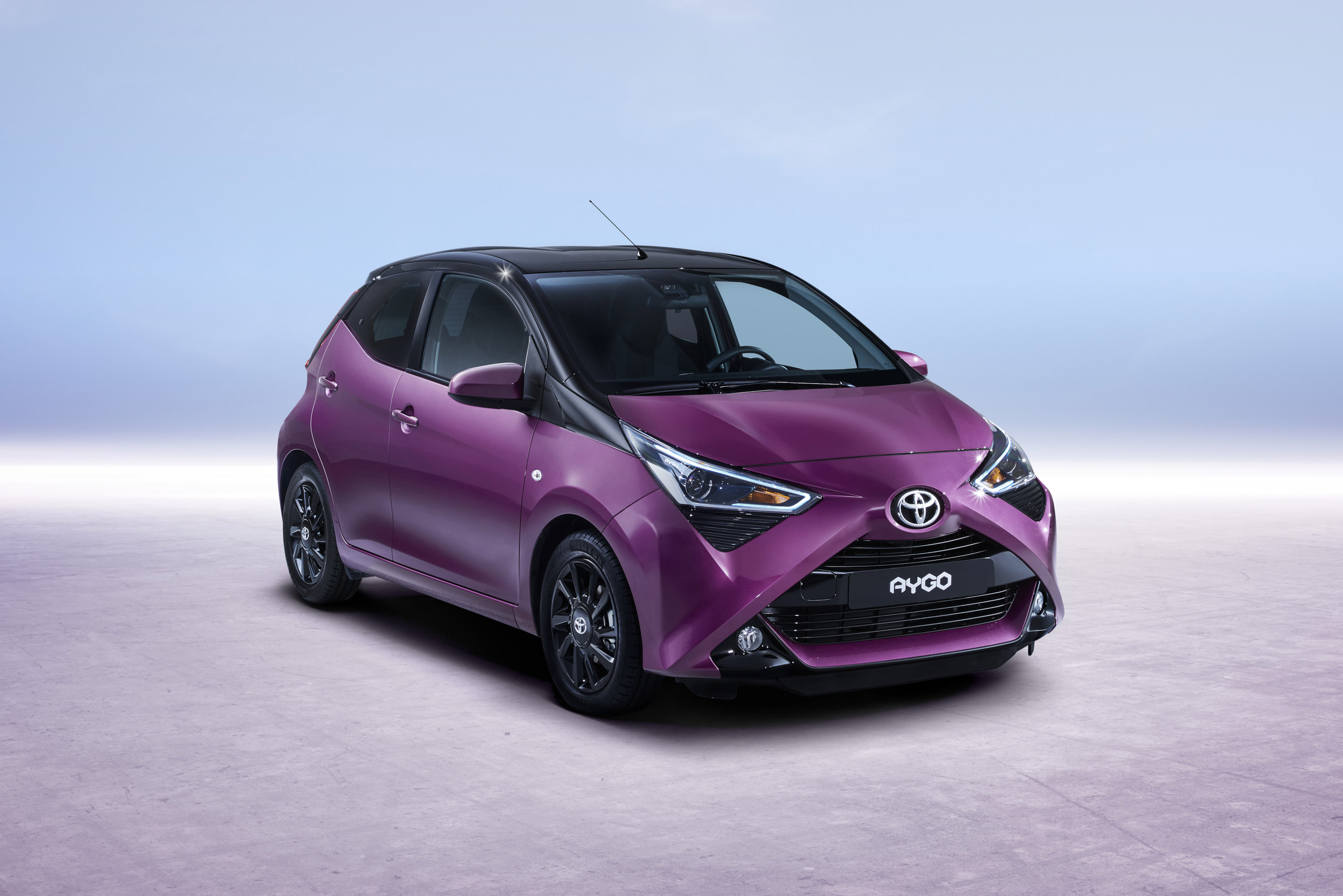 toyota reveals 2018 aygo. Black Bedroom Furniture Sets. Home Design Ideas