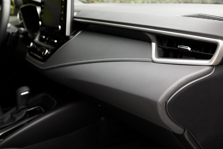 Car Audio System >> Toyota presents new Corolla Hybrid
