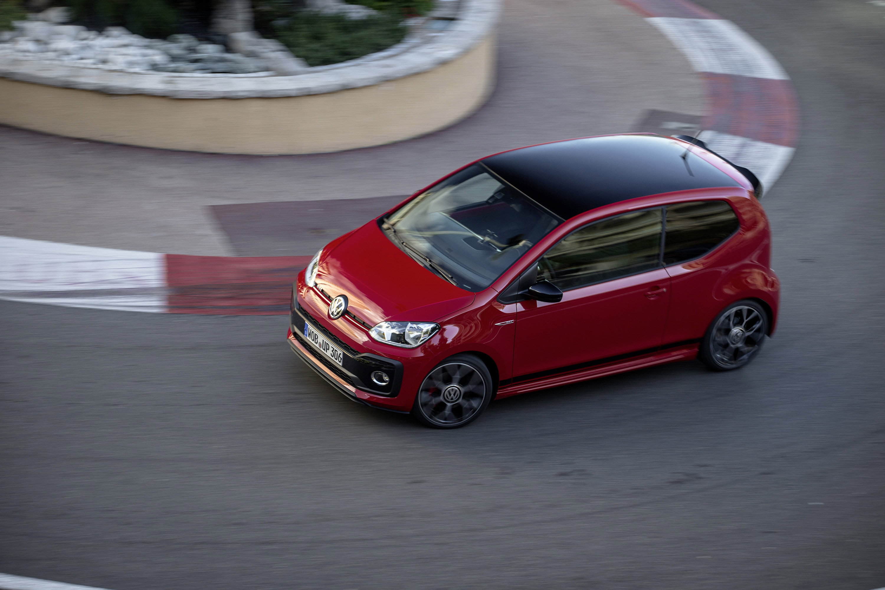 Volkswagen presents up! GTI