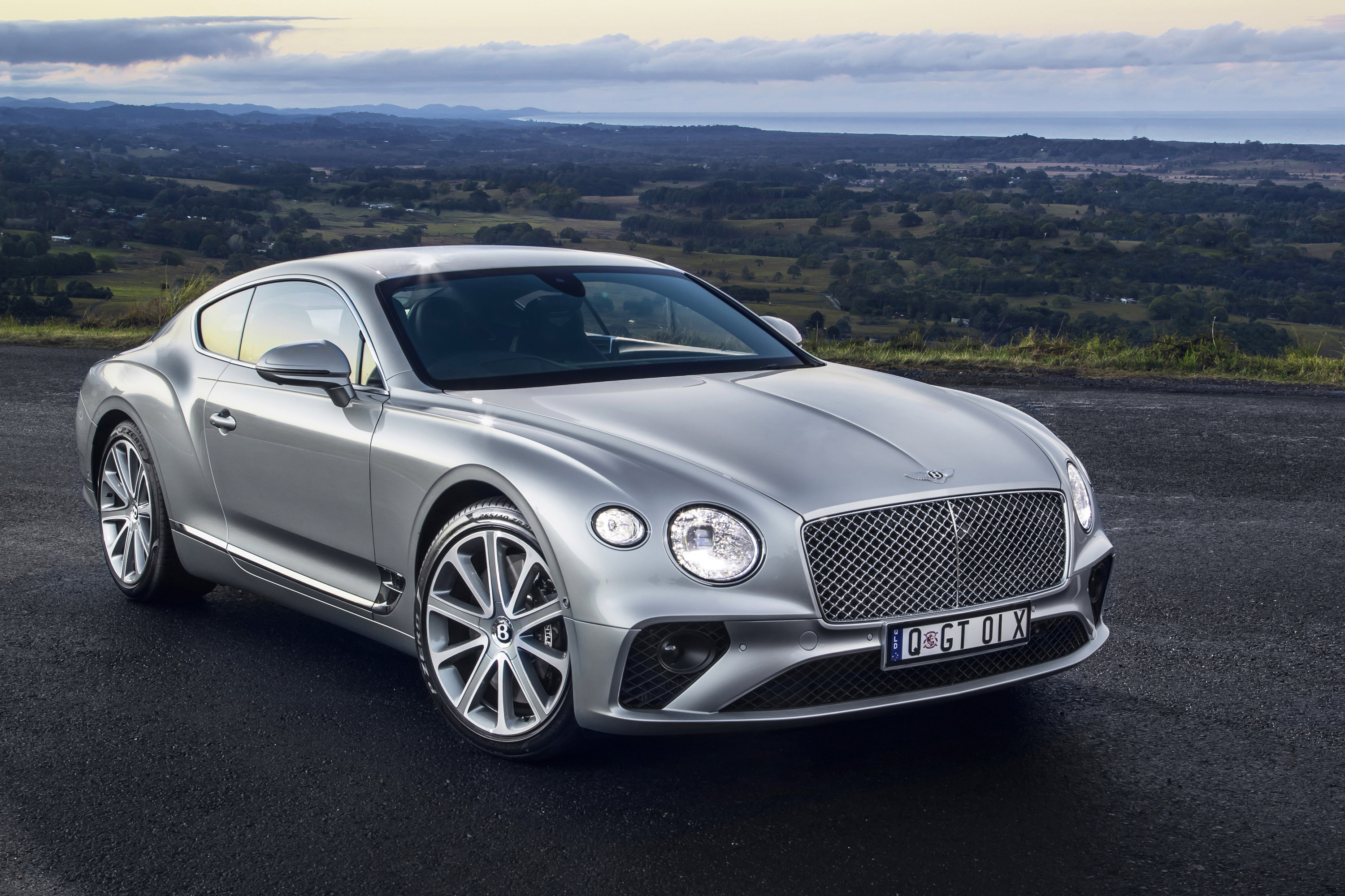 2019-bentley-continental-gt-01.jpg
