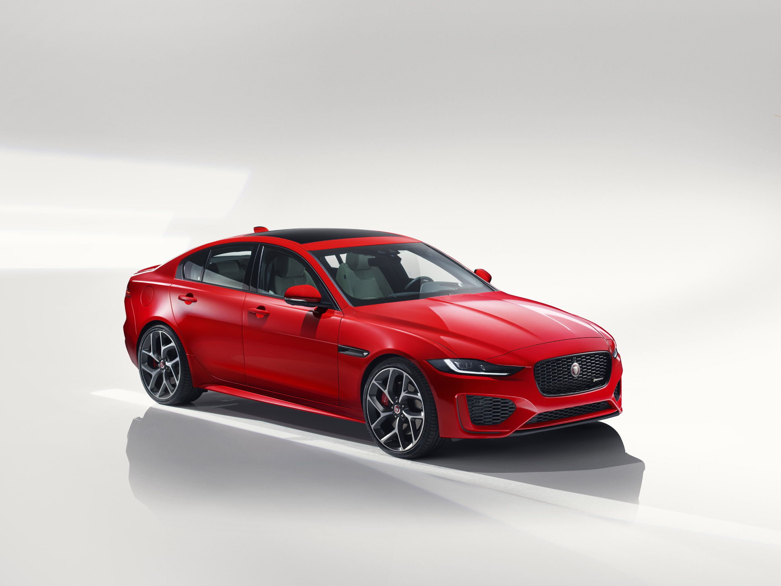jaguar unveils 2020 xe sport sedan model