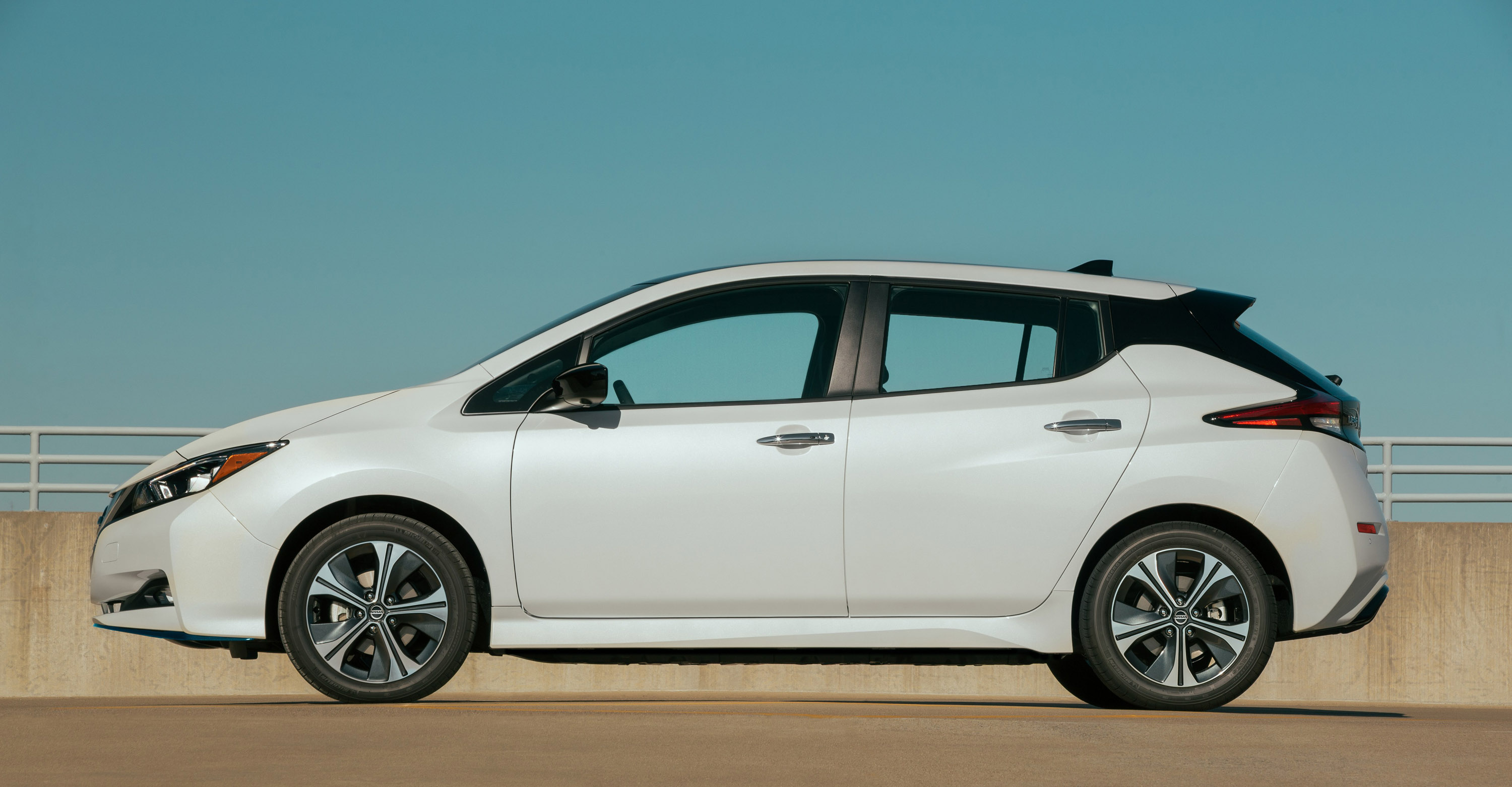 nissan reveals details about new 2020 leaf lineup