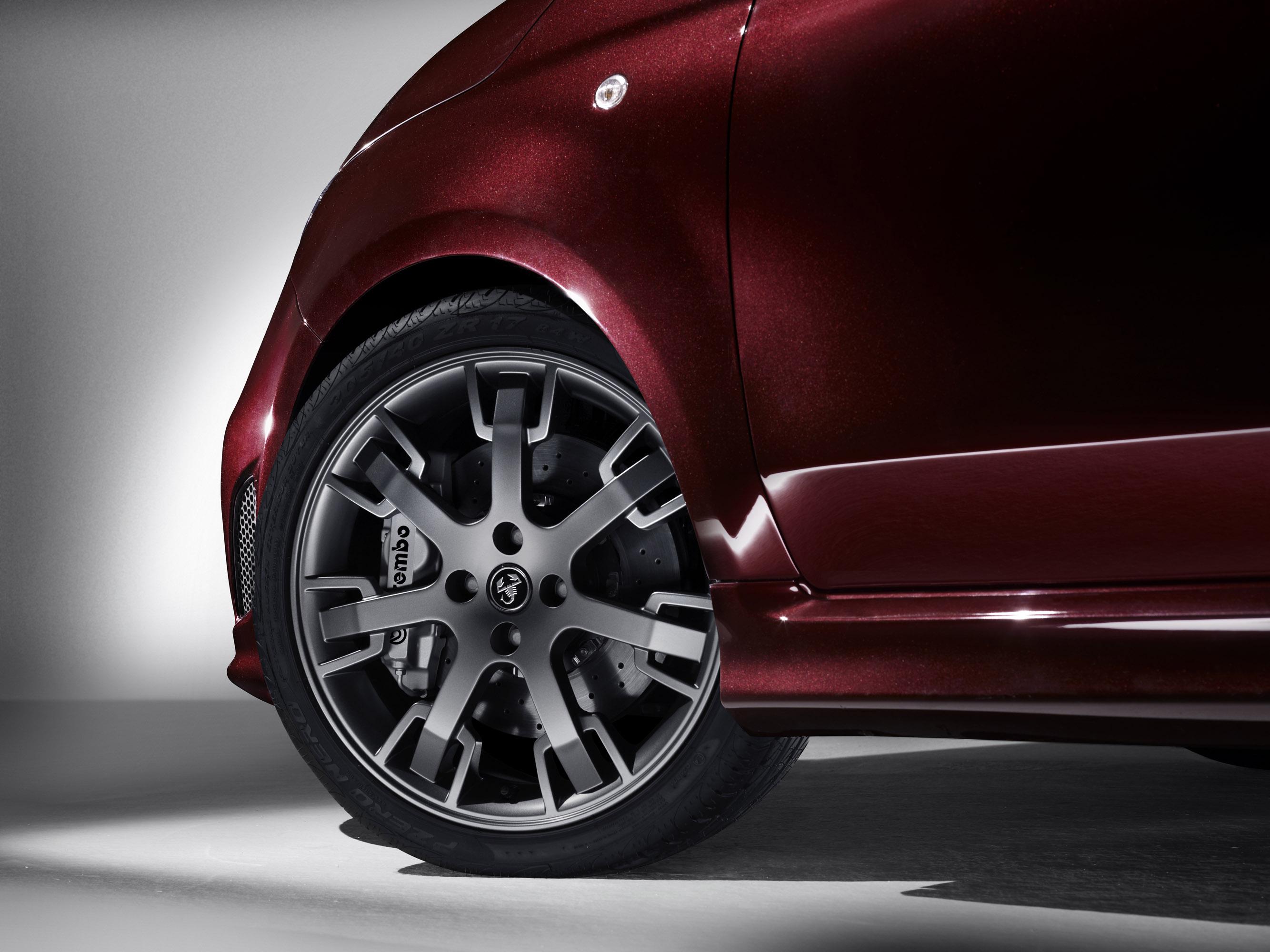 Abarth 695 Maserati Edition Price And Specs