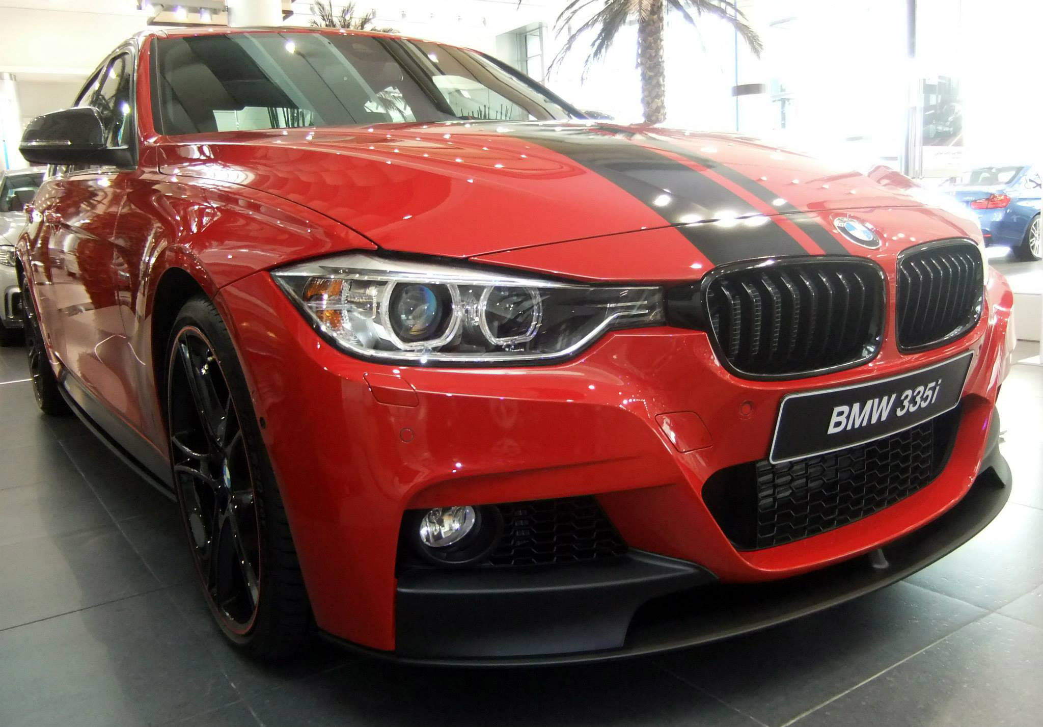 abu dhabi bmw 3 series f30 335i m performance. Black Bedroom Furniture Sets. Home Design Ideas