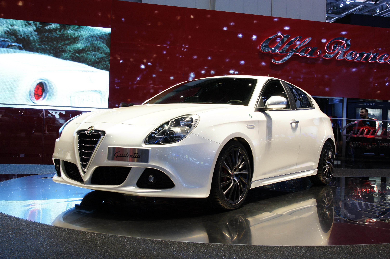 alfa romeo giulietta images start 250 WeiLi Automotive Network