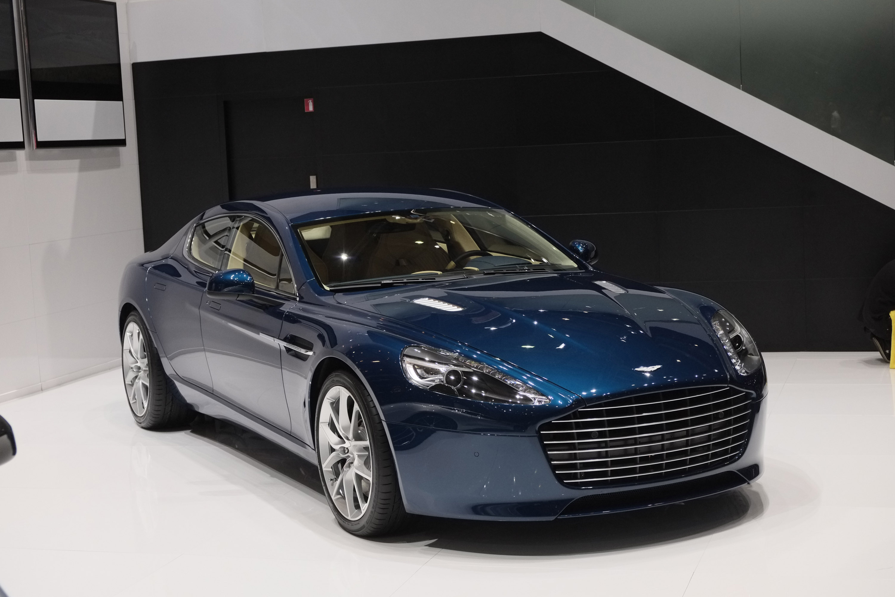 aston martin rapide s geneva 2014 picture 98037. Black Bedroom Furniture Sets. Home Design Ideas