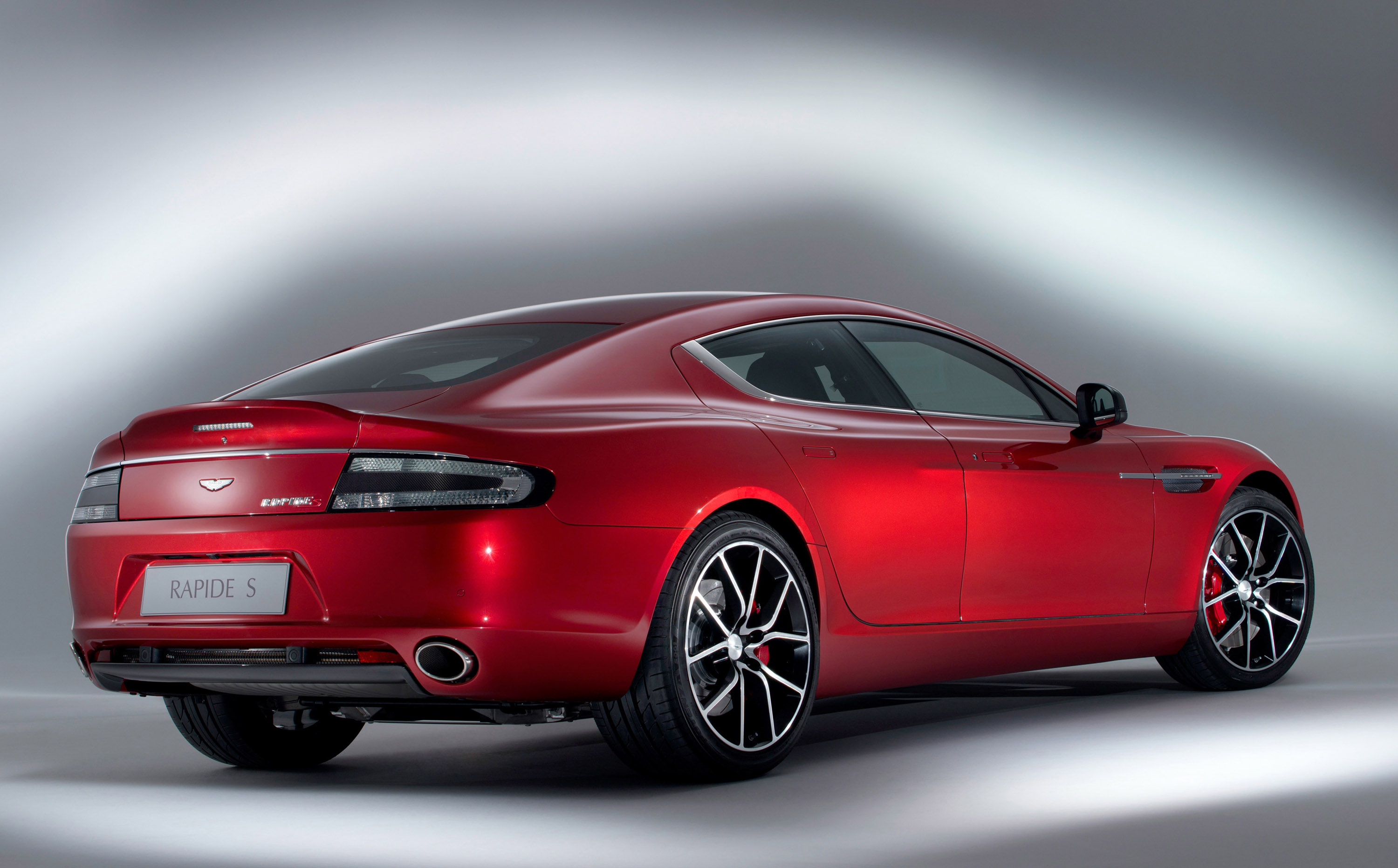 aston martin rapide s hybrid hydrogen to compete at nurburgring. Black Bedroom Furniture Sets. Home Design Ideas