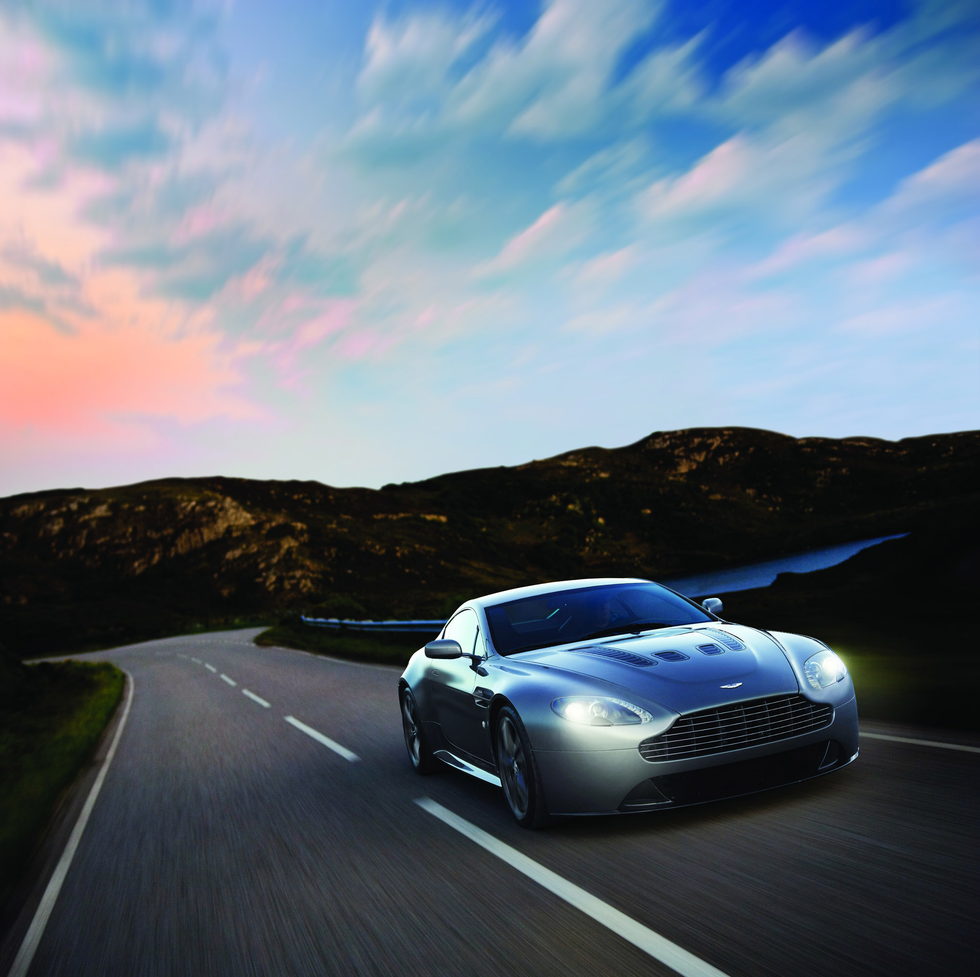 Aston Martin Vanquish V12 Price India Specs And Reviews: Aston Martin V12 Vantage For Sale In North And South America