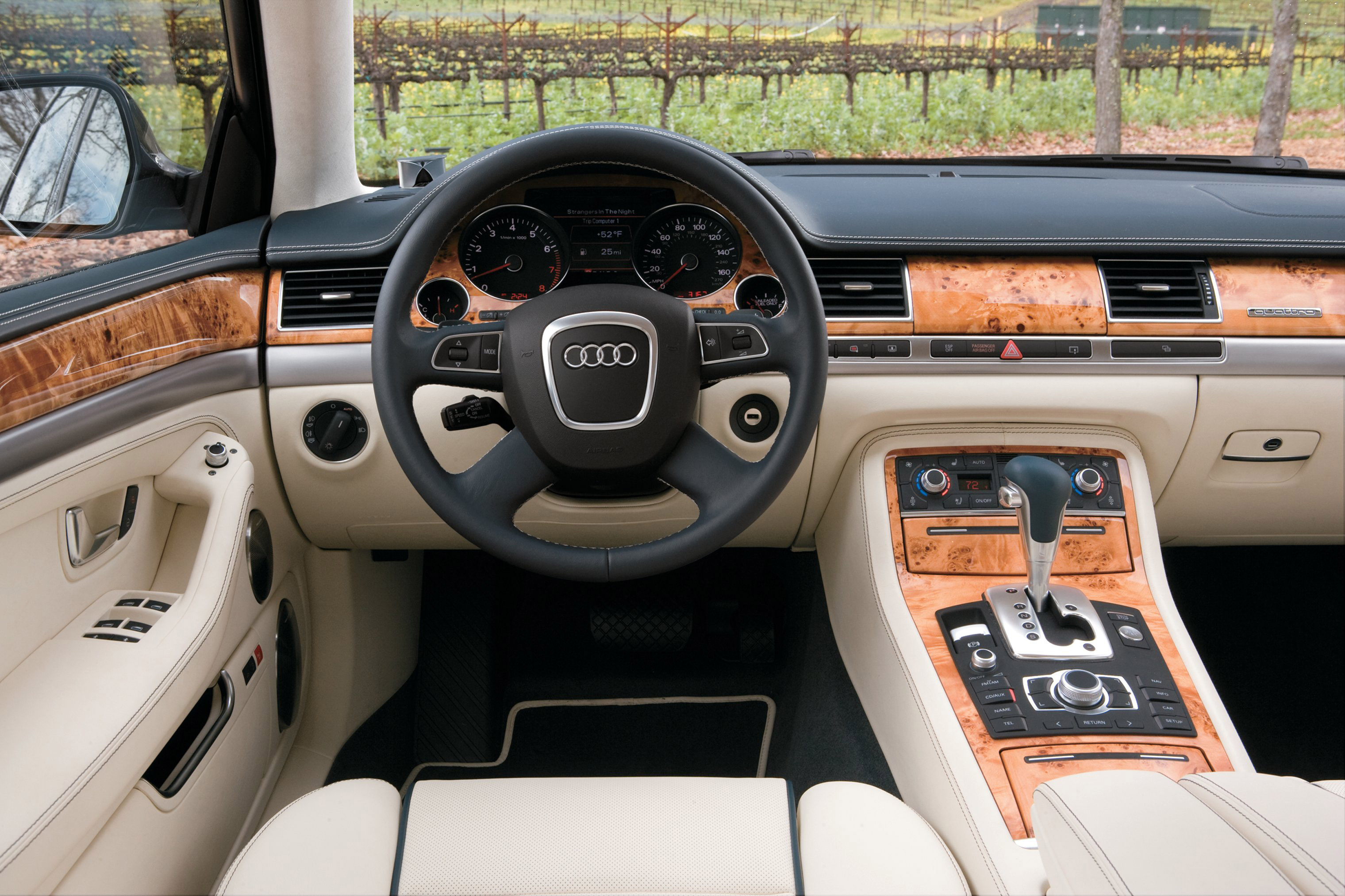Audi A8 L W12 - Picture 5505