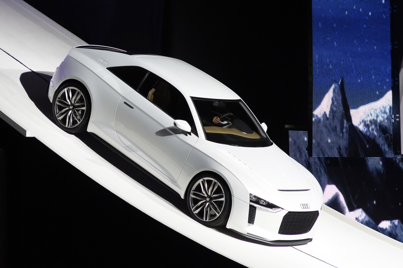 2010 audi quattro concept autos post for Garage alfa romeo paris