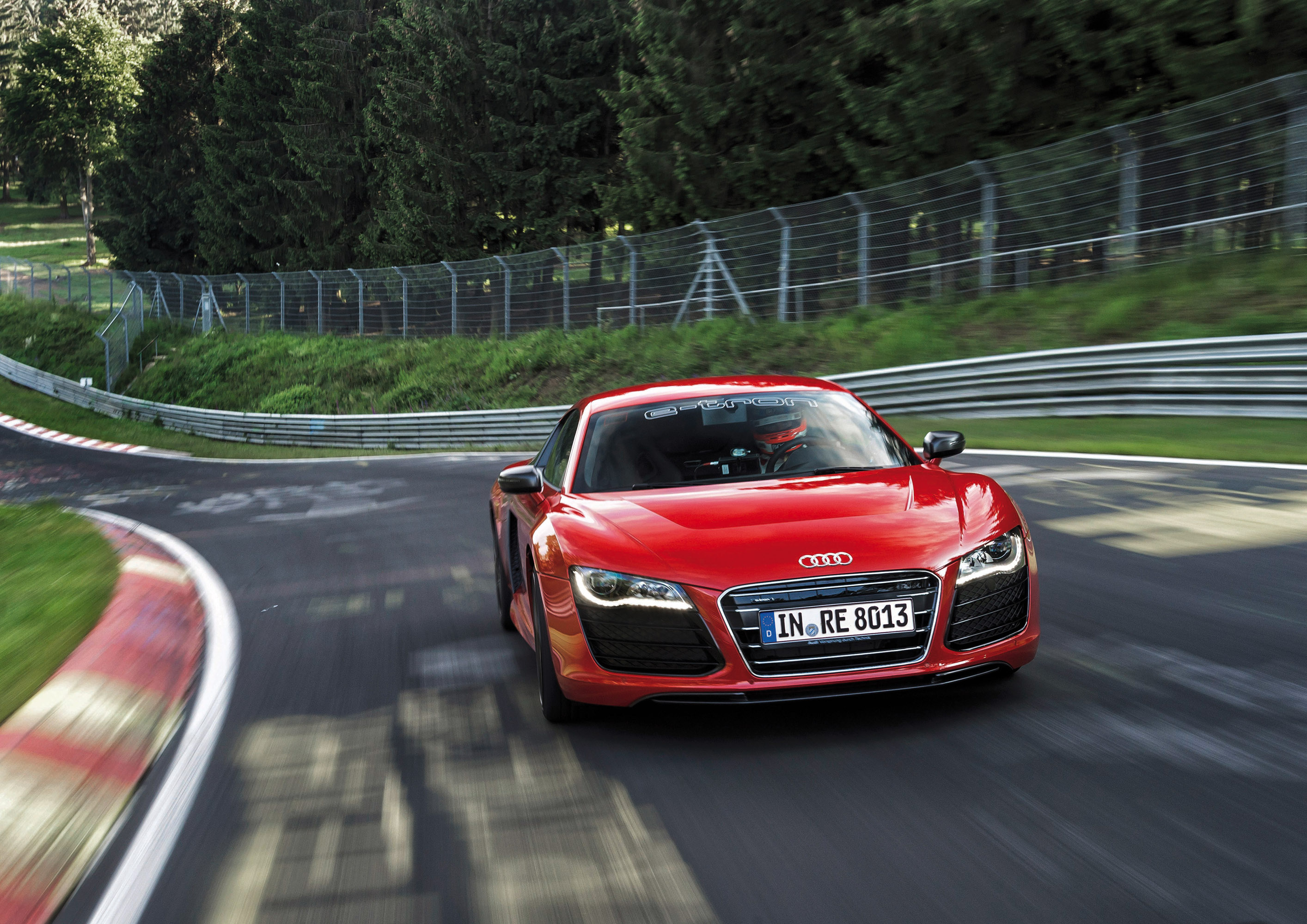 audi r8 e tron nurburgring record hd video. Black Bedroom Furniture Sets. Home Design Ideas