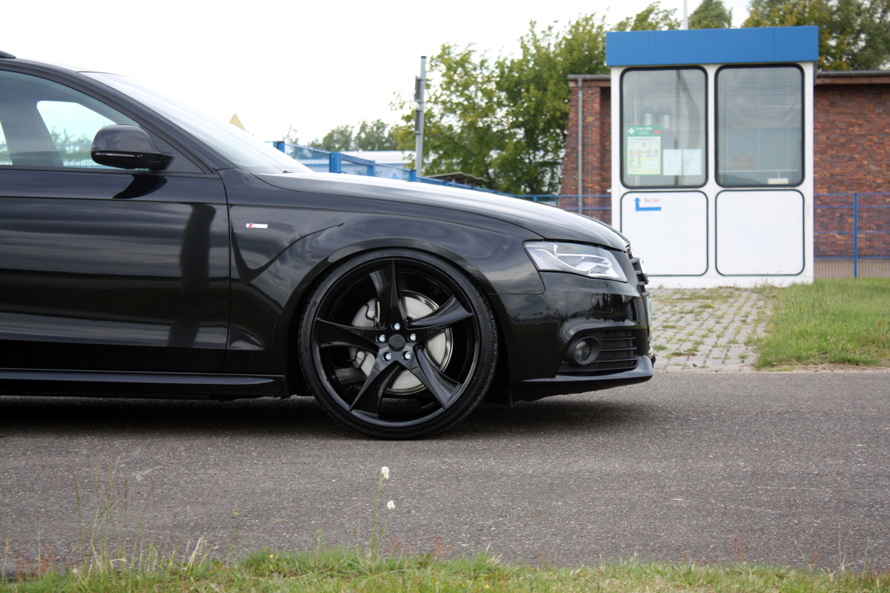 AVUS Performance Audi A4 Avant Black Arrow - Picture 27925