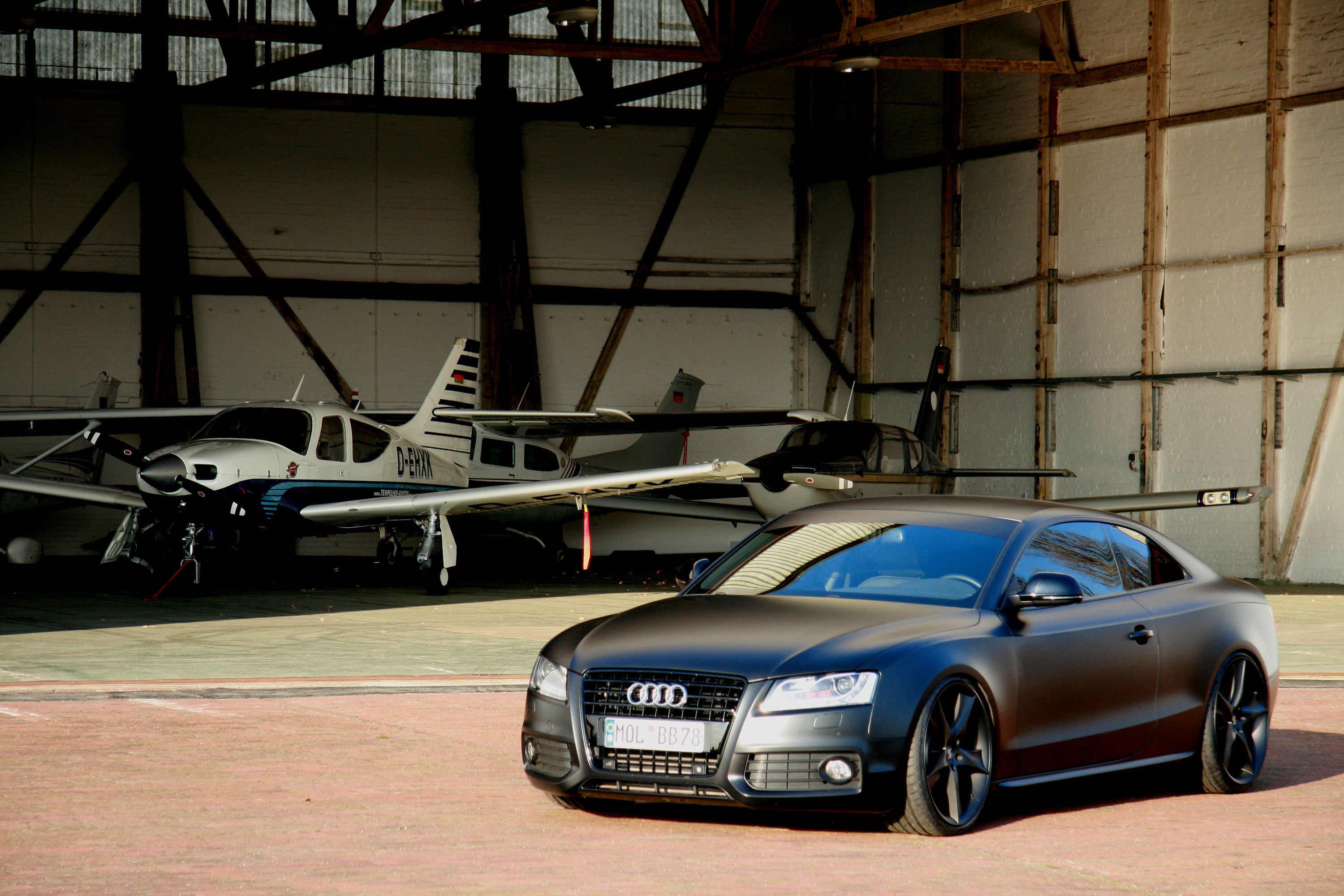 todays batmobile avus performance audi a5 matt black. Black Bedroom Furniture Sets. Home Design Ideas