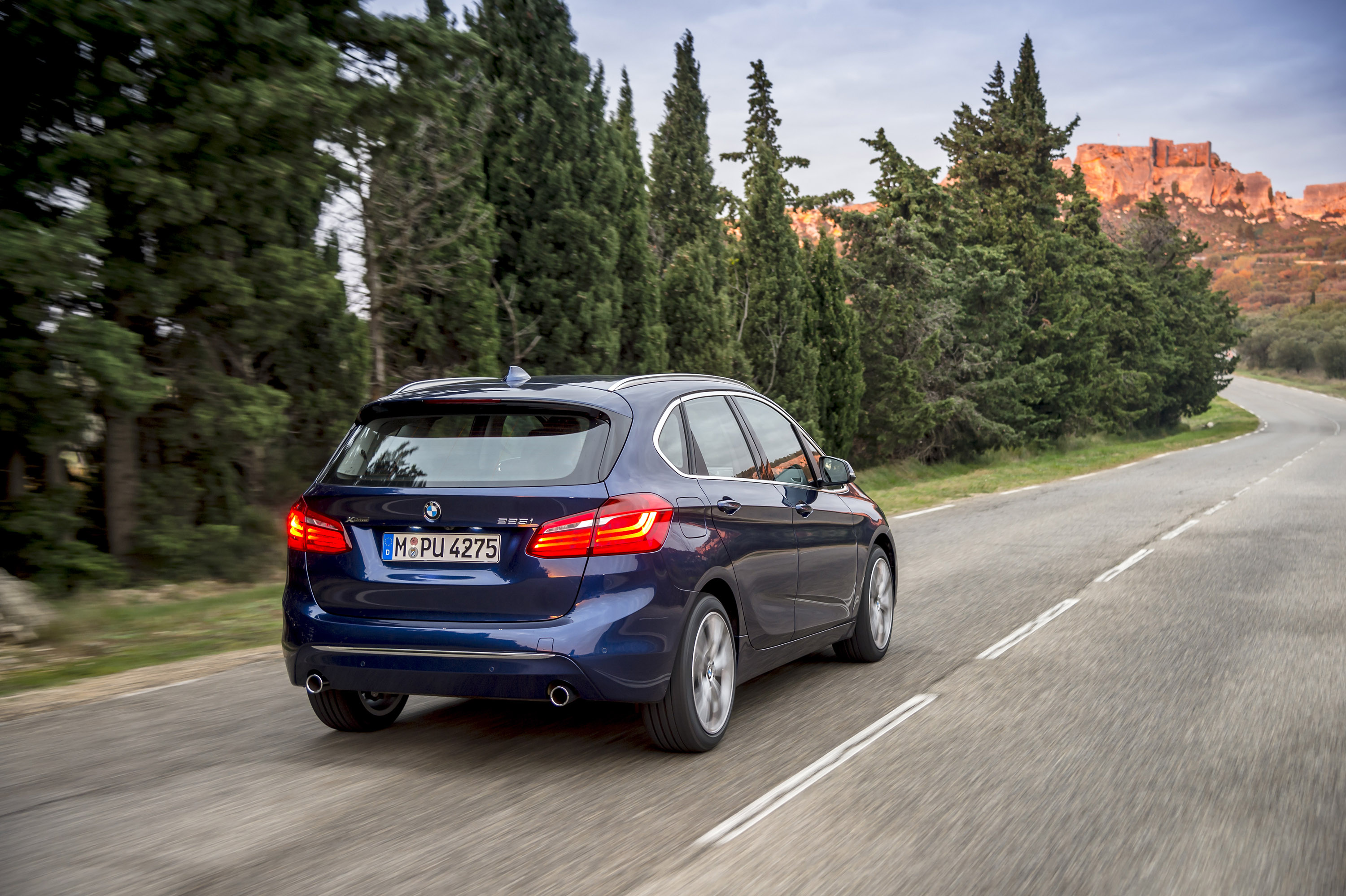bmw xdrive technology featured in the new bmw 2 series active tourer. Black Bedroom Furniture Sets. Home Design Ideas