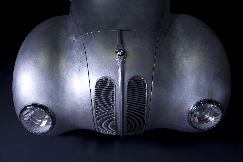 BMW reintroduces the 328 Kamm Coupe race legend