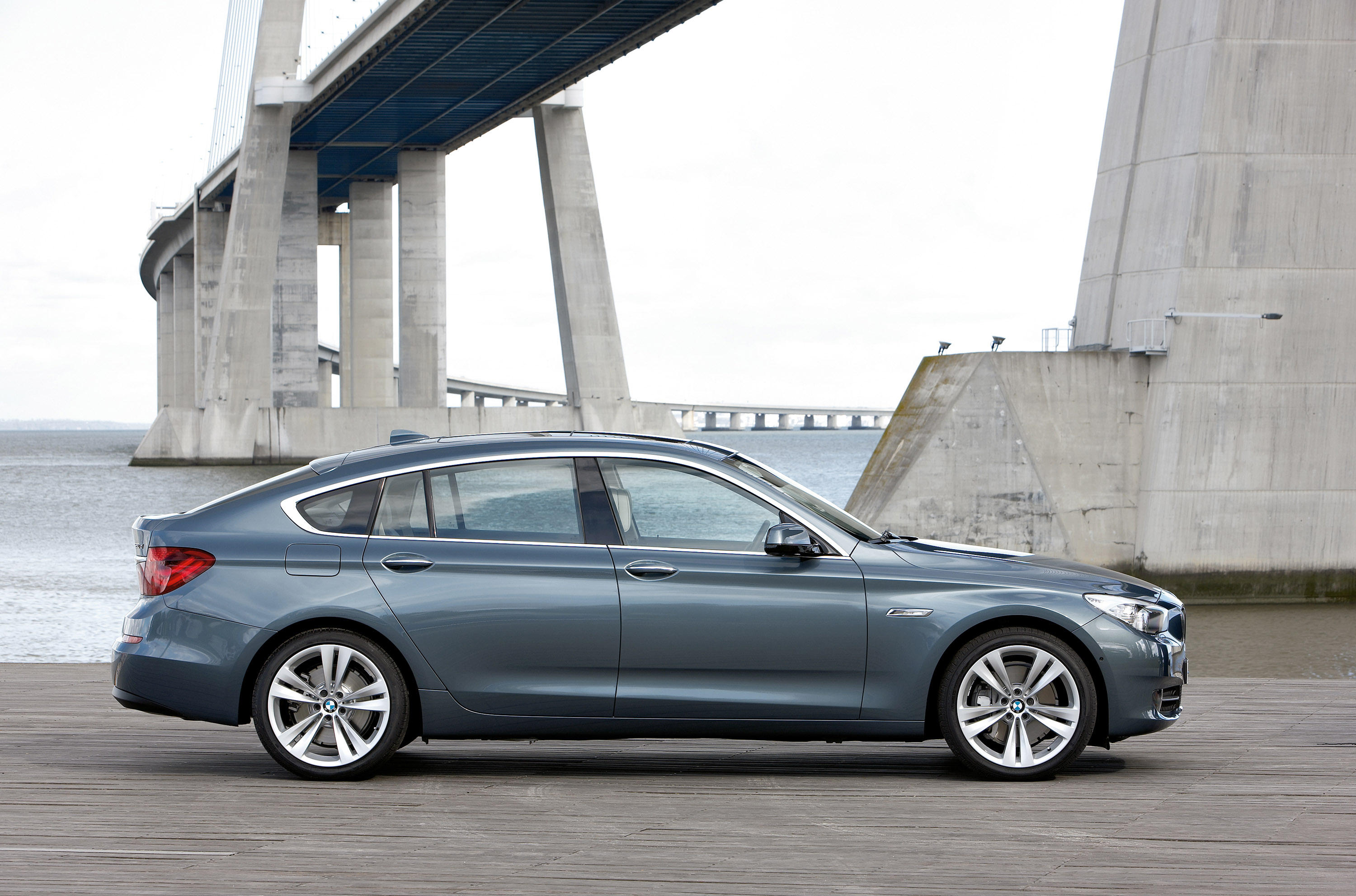 Bmw 5 Series Gt At The International Auto Show Florida