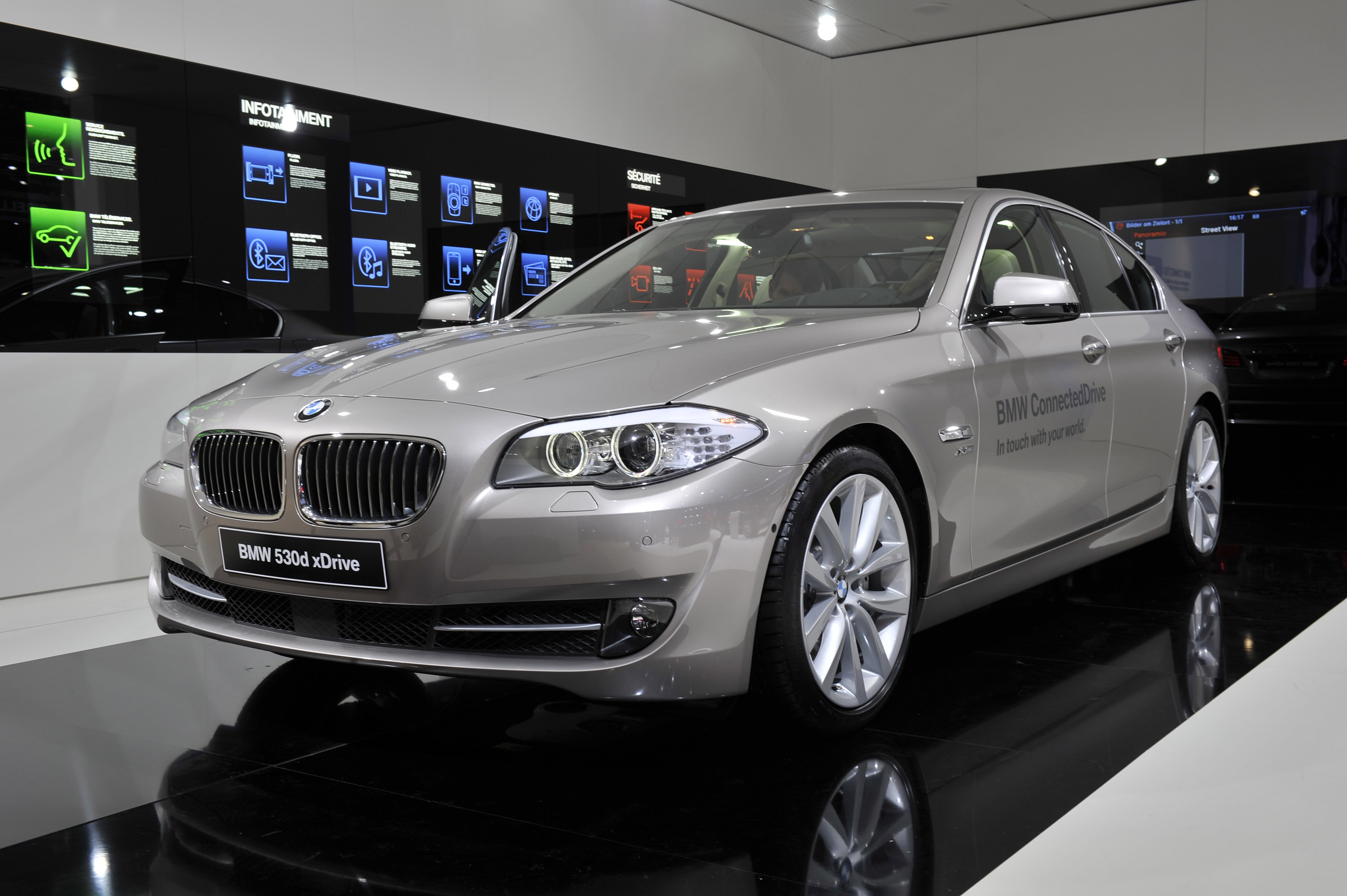 bmw 530d xdrive geneva 2011 picture 50112. Black Bedroom Furniture Sets. Home Design Ideas