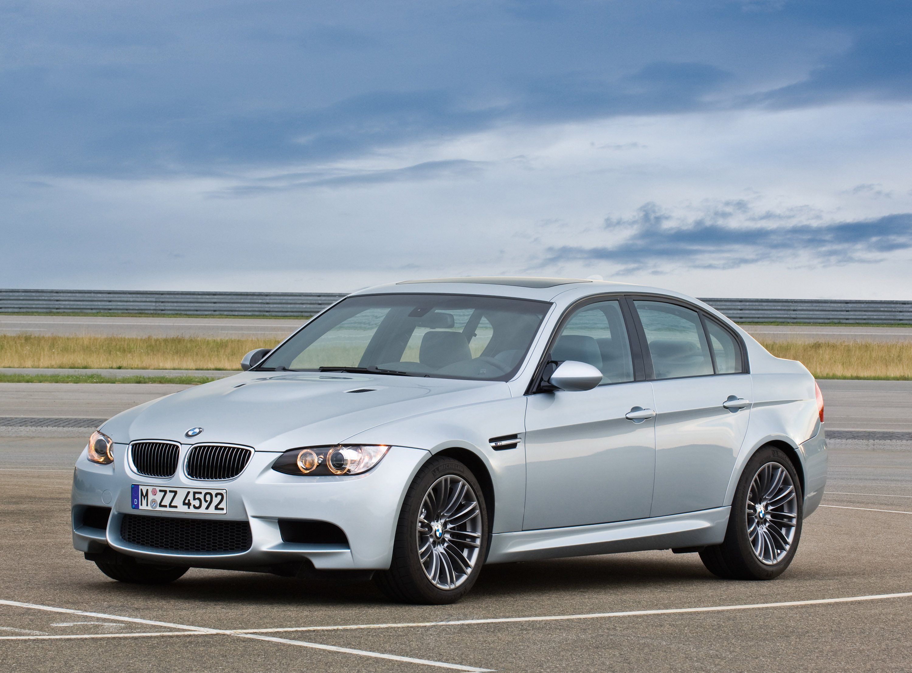 bmw m3 sedan the perfect car for the heart and the head. Black Bedroom Furniture Sets. Home Design Ideas