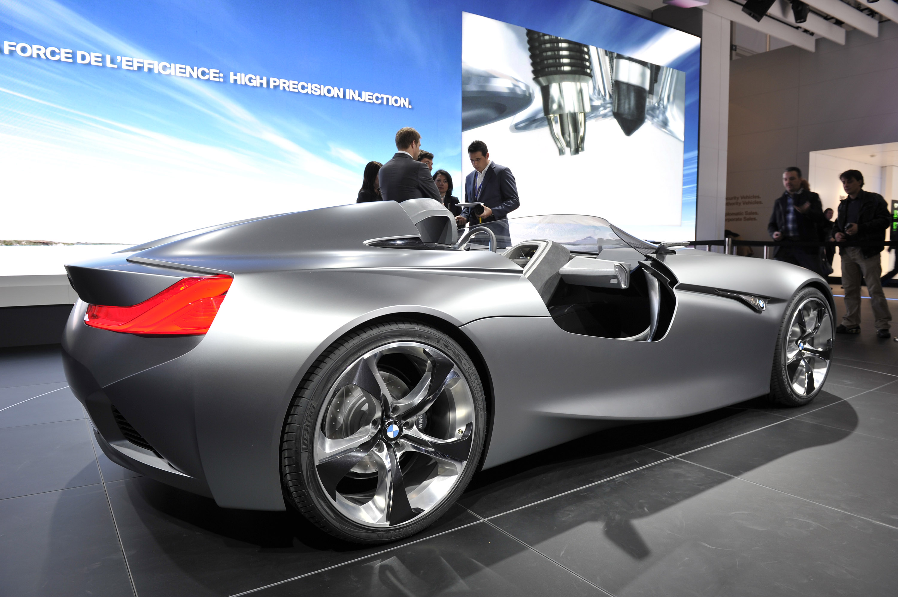 Geneva 2011: BMW Vision Connected Drive Concept