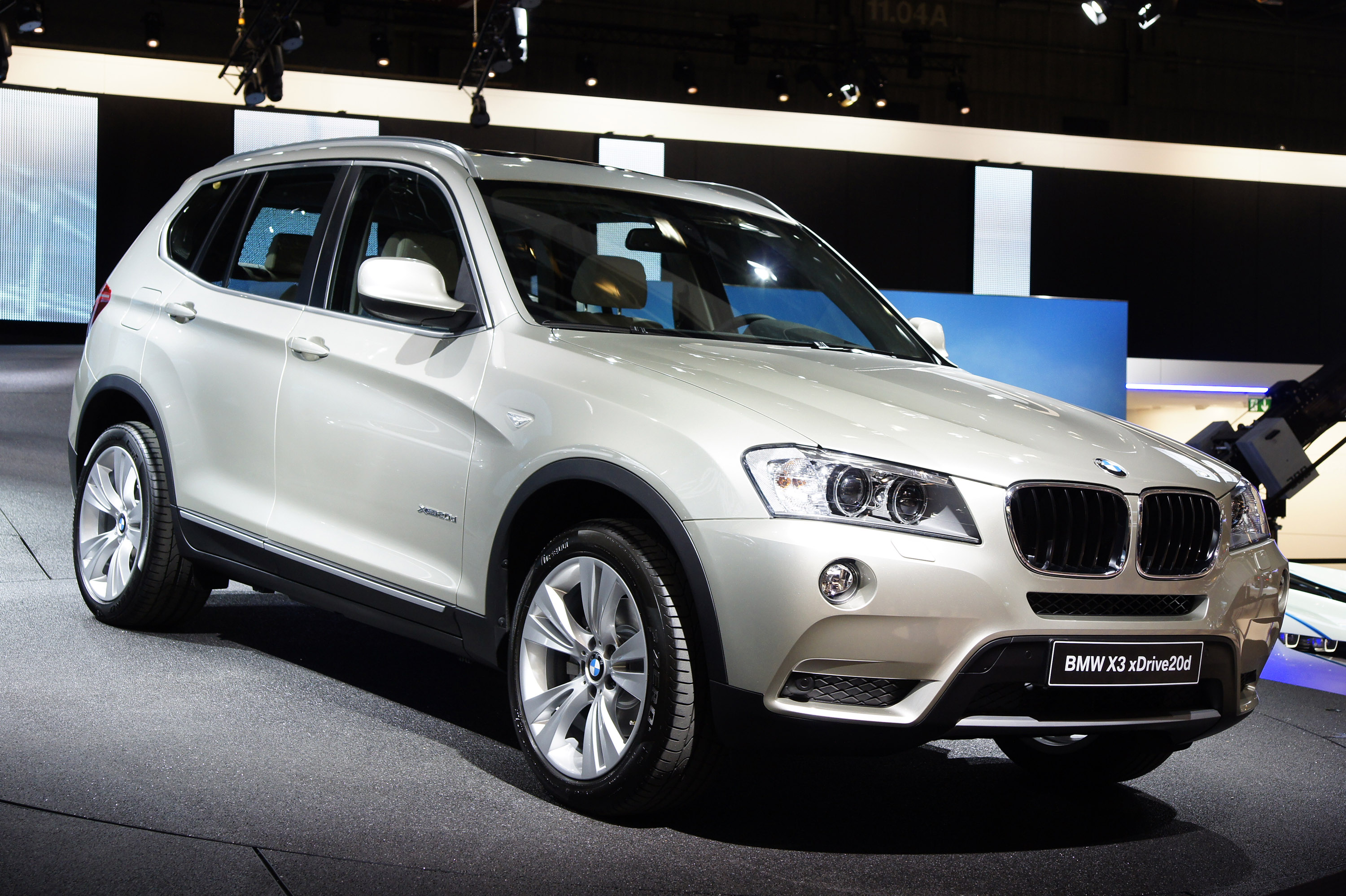 2010 bmw x3 xdrive 28i review car reviews auto design tech. Black Bedroom Furniture Sets. Home Design Ideas