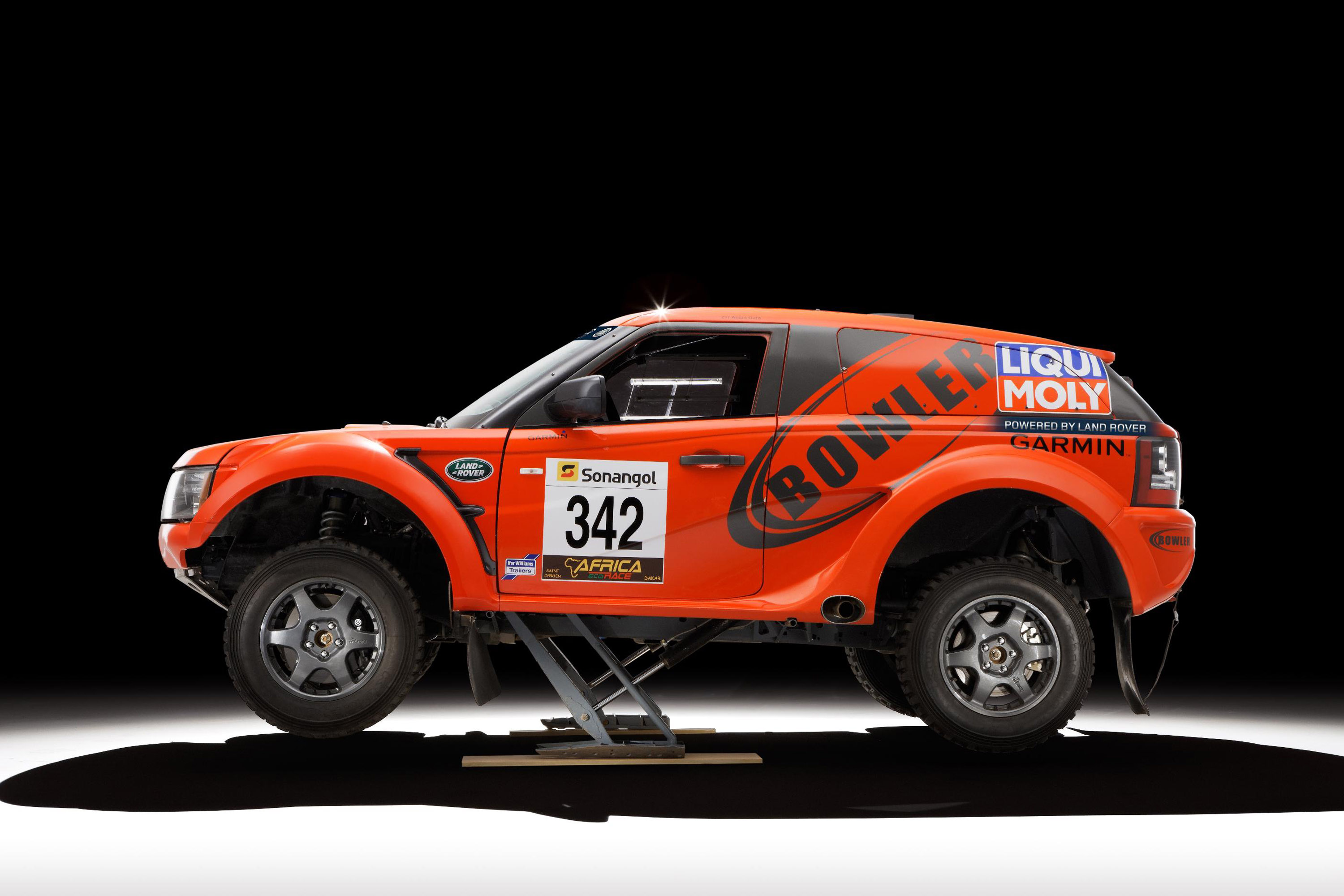 bowler exr rally car and exr s road car powered by land rover. Black Bedroom Furniture Sets. Home Design Ideas