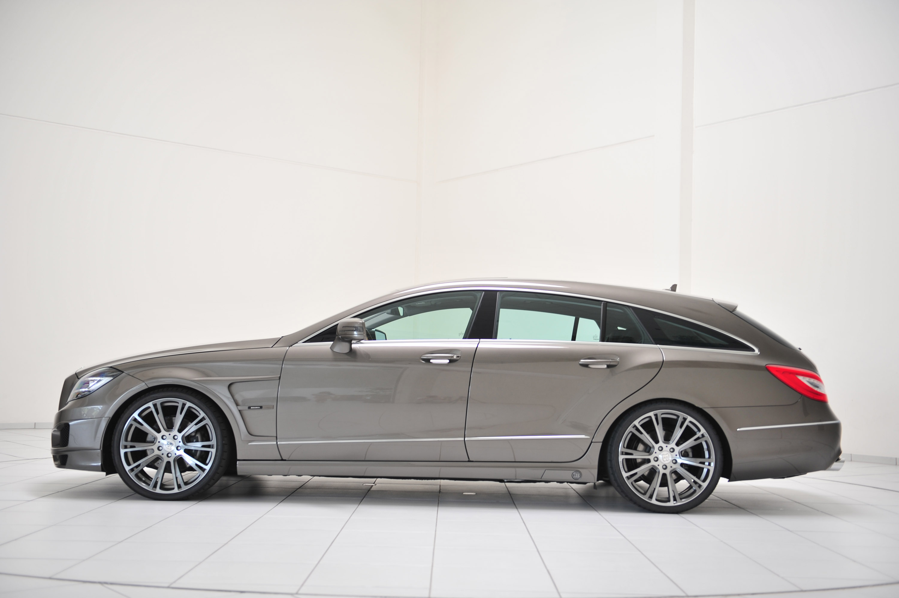 Brabus 2013 mercedes benz cls shooting brake for Mercedes benz cls station wagon