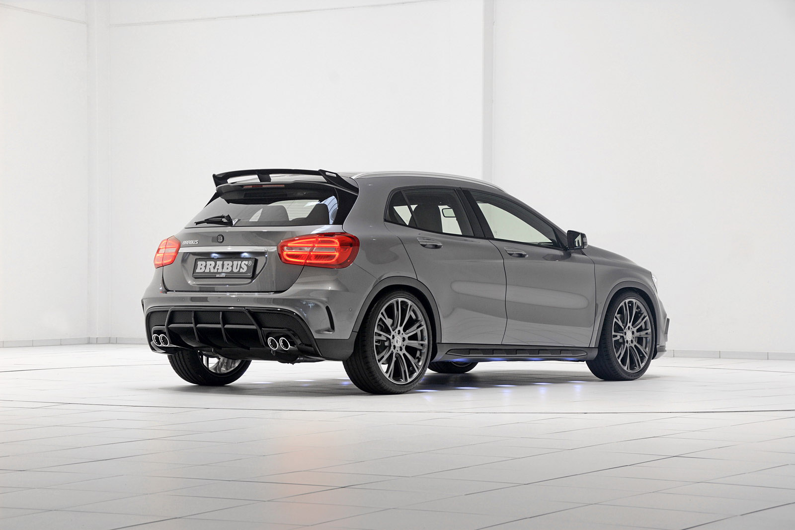 mercedes benz gla class amg pumped up by brabus. Black Bedroom Furniture Sets. Home Design Ideas