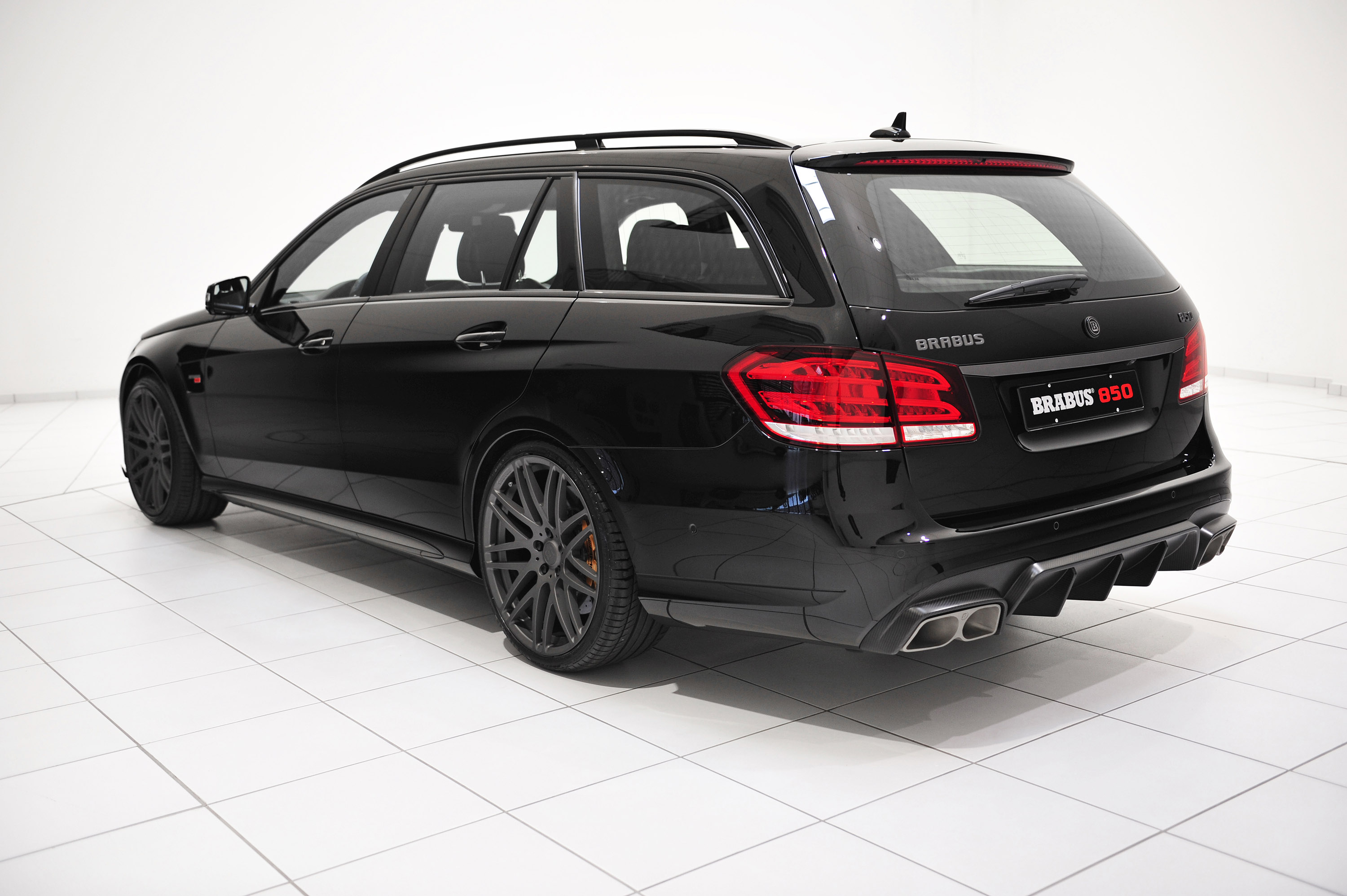 Brabus 850 6 0 biturbo mercedes benz e63 amg picture 91890 for Mercedes benz brabus amg